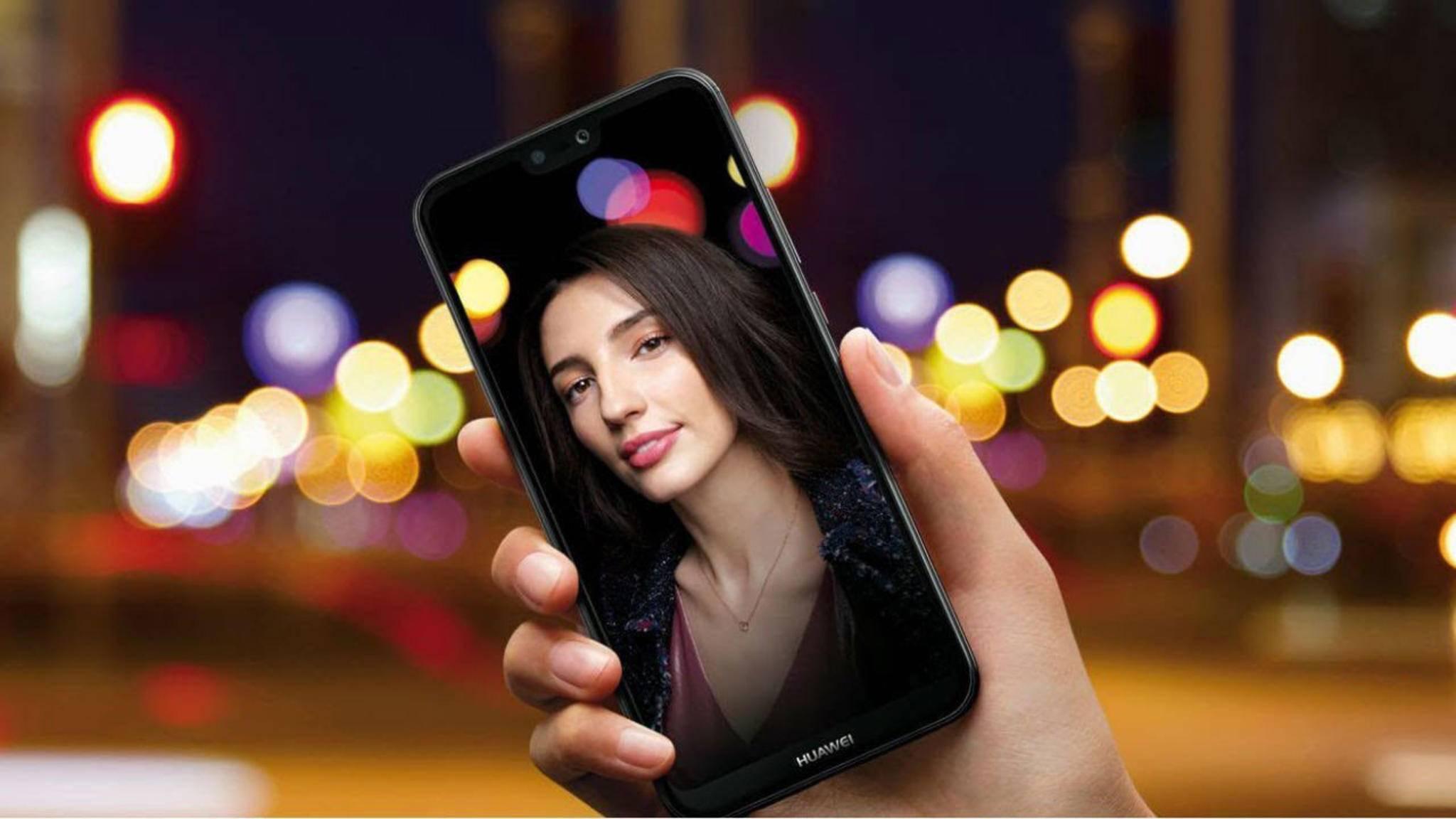 Das Huawei P20 Lite wird offenbar in einigen Läden schon verkauft.