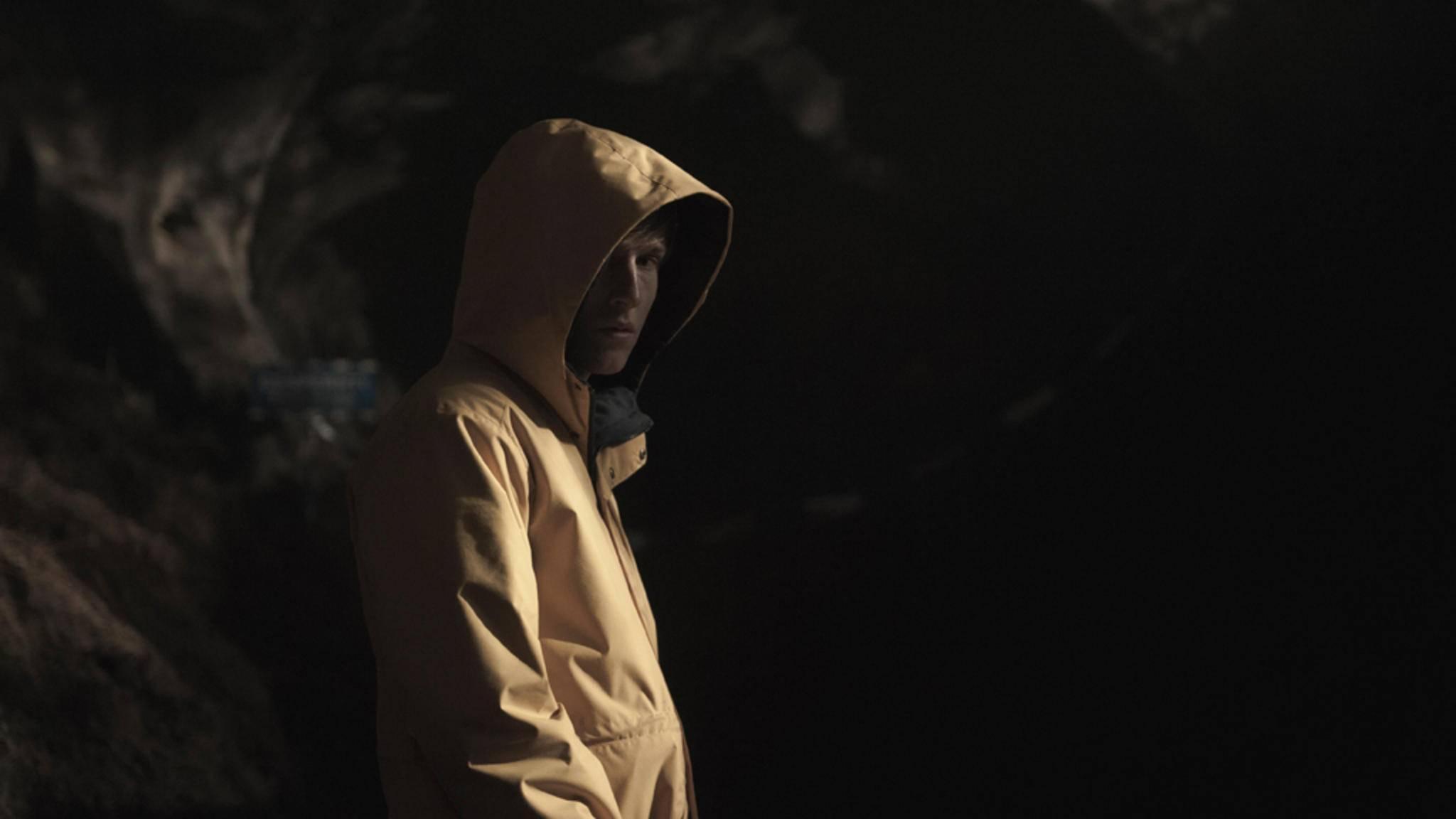 """Was erwartet Jonas Kahnwald (Louis Hofmann) wohl in Staffel 2 von """"Dark""""?"""
