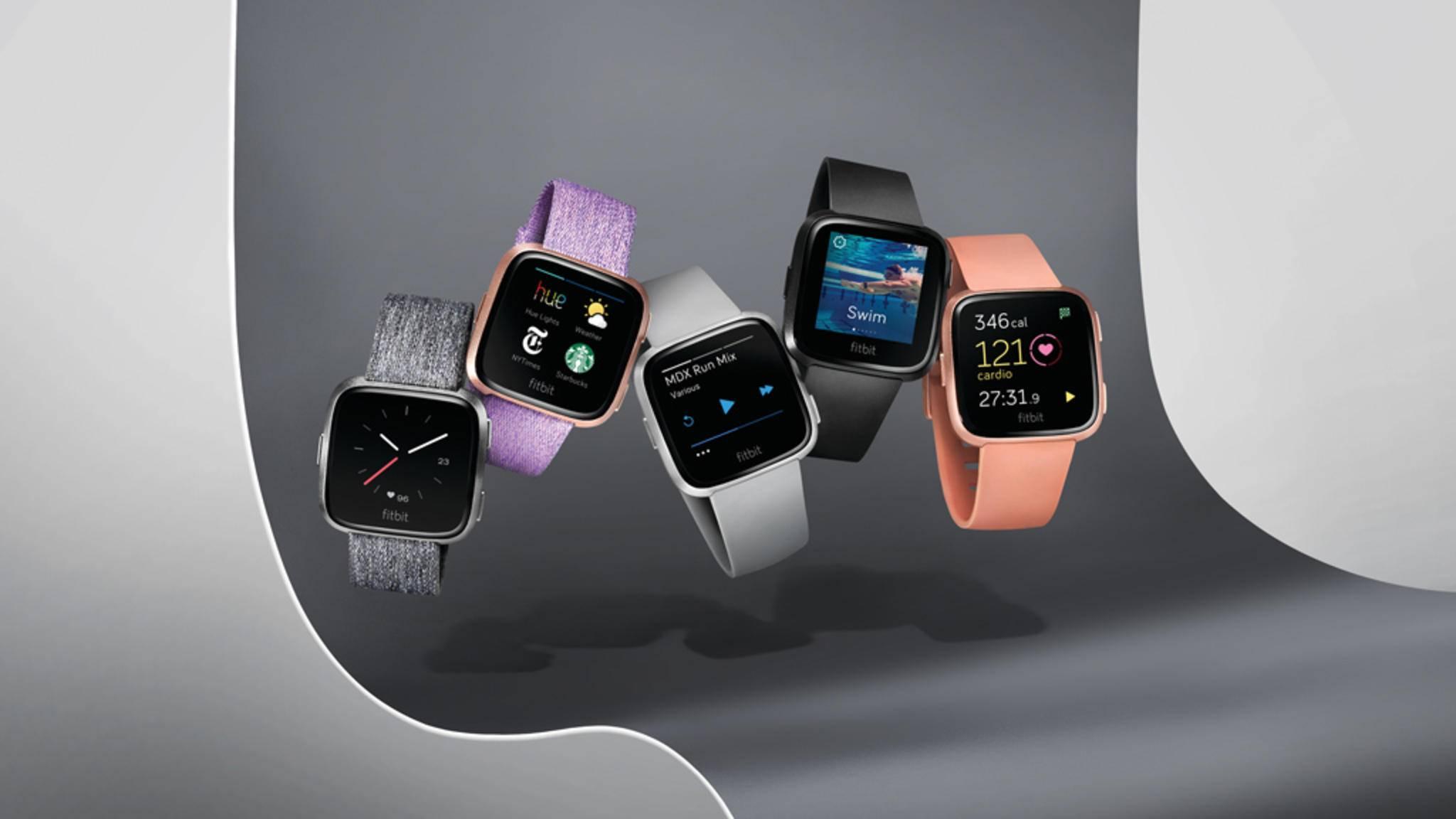 Du suchst eine kleine Smartwatch für Frauen? Wie wäre es mit der Fitbit Versa?