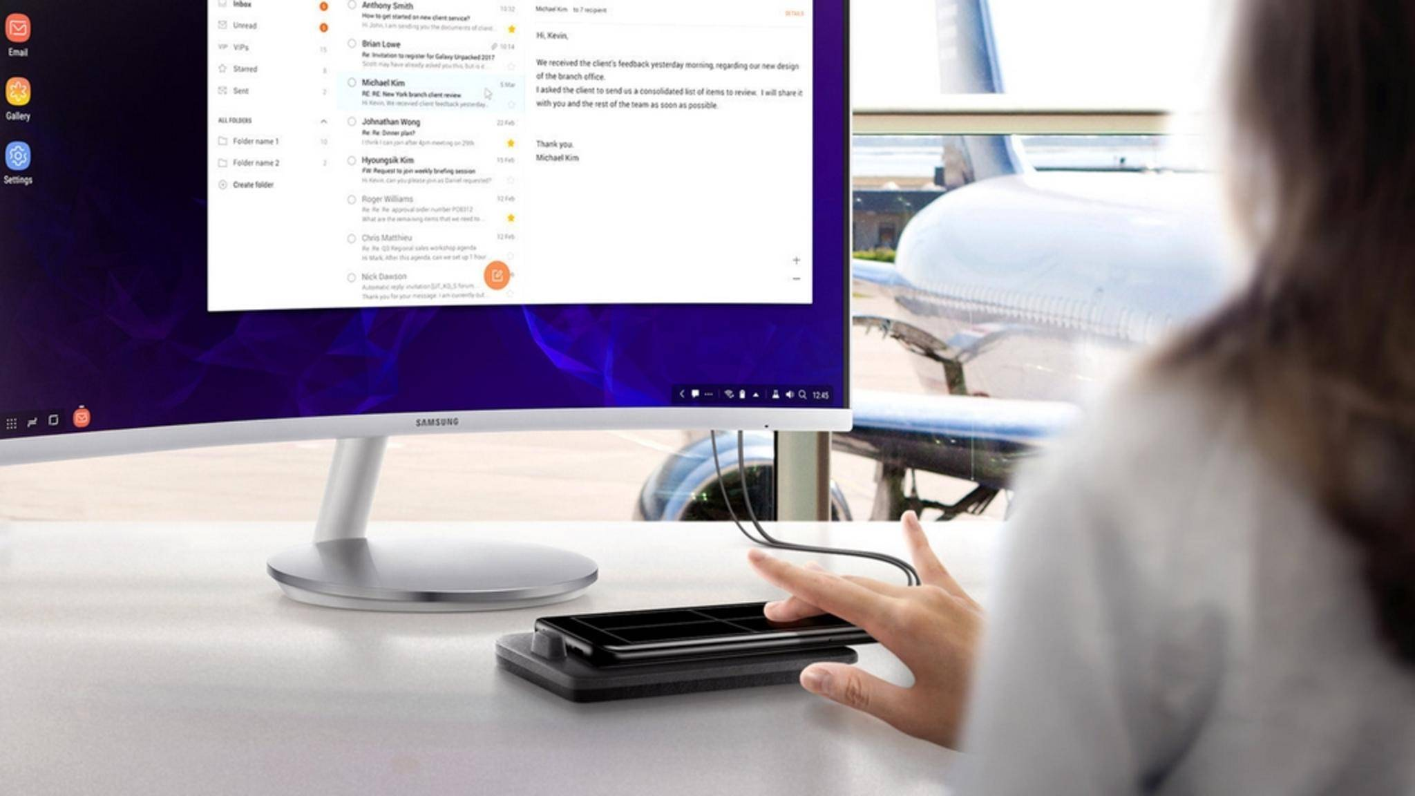 Das DeX Pad macht das Smartphone zum PC und dient dabei als Trackpad.