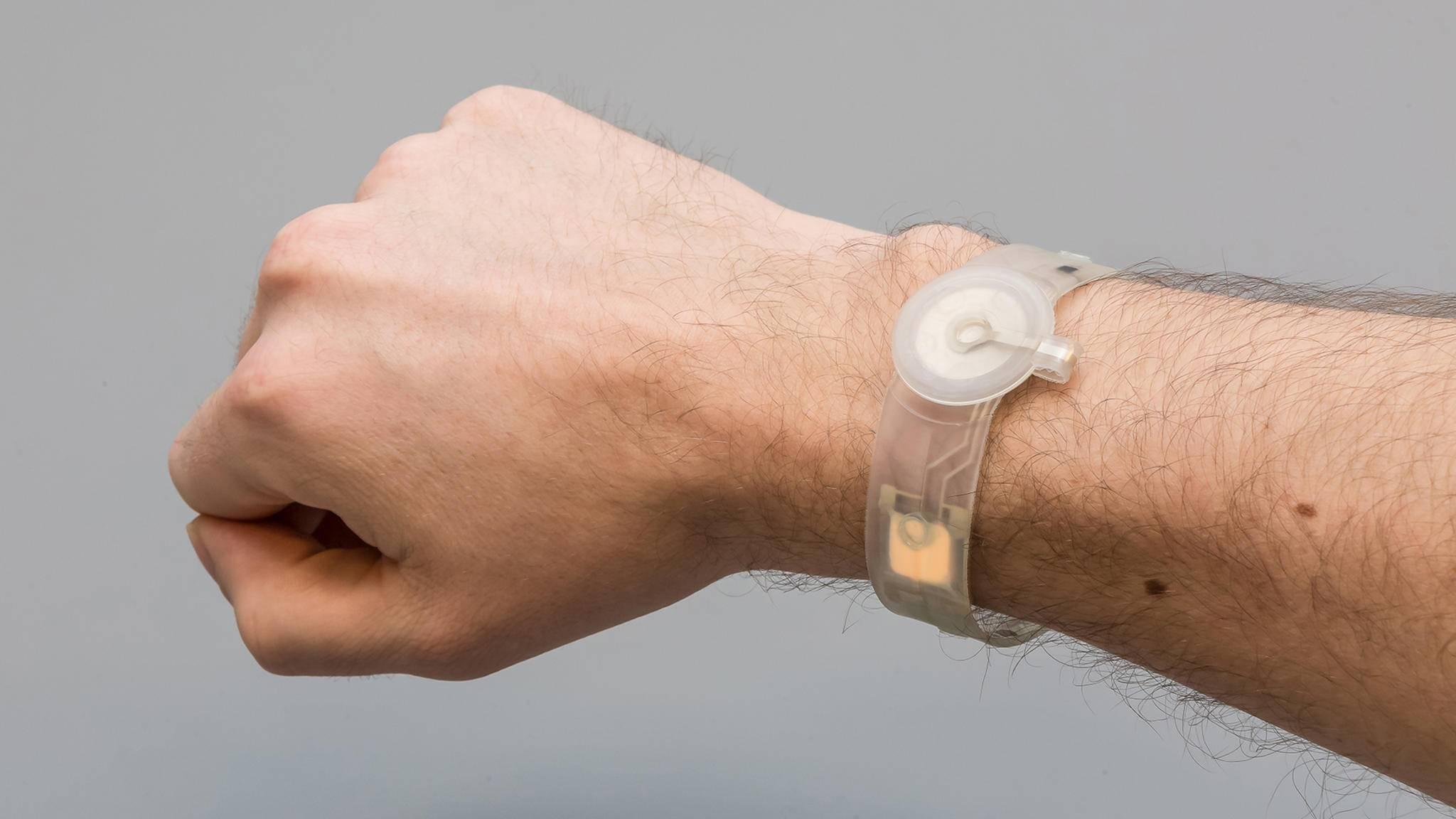Gesundheit am Handgelenk: Dieses OLED-Armband könnte die Wundheilung fördern.