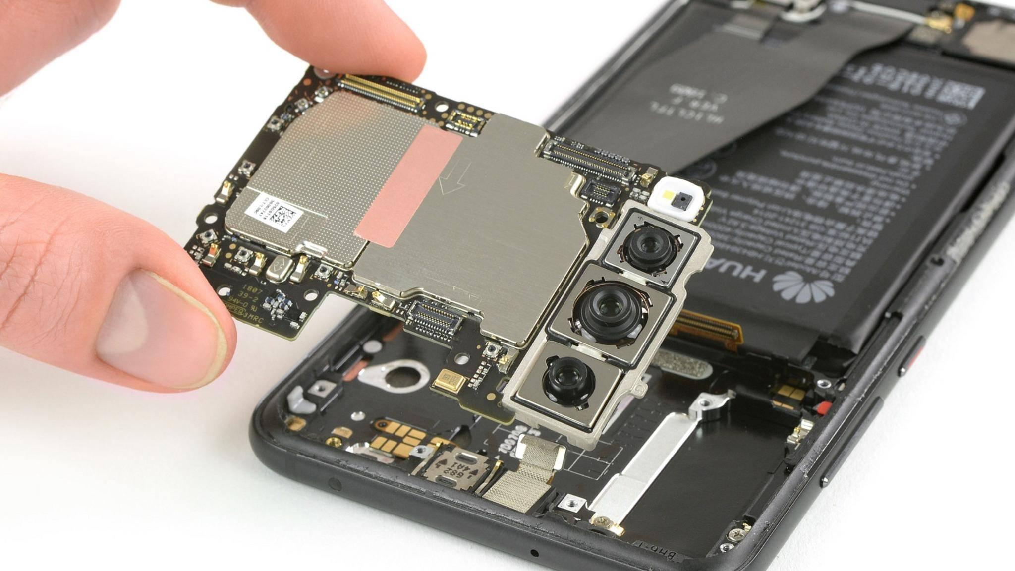 iFixit hat einen näheren Blick auf die Triple-Kamera des Huawei P20 Pro geworfen.