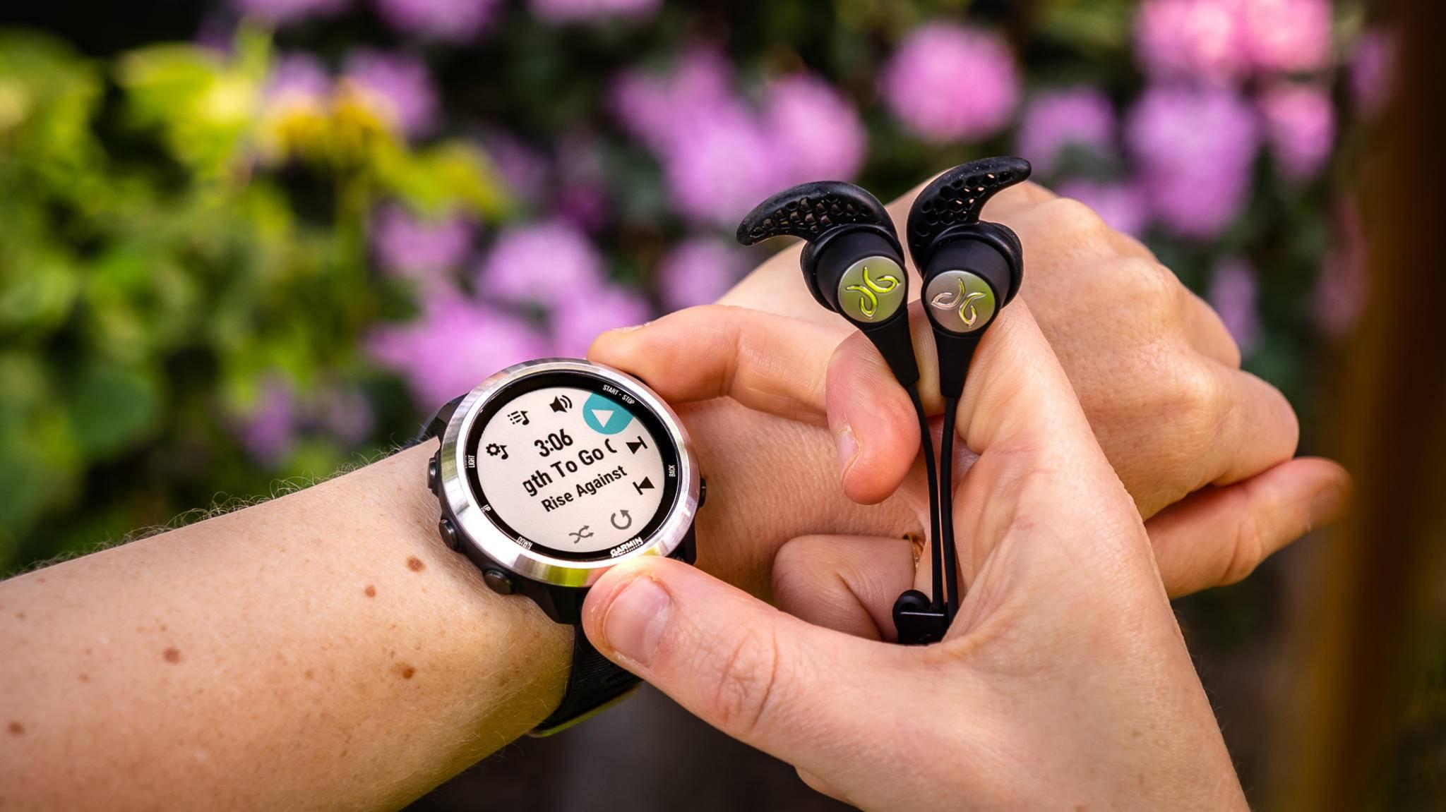 Der Garmin Forerunner 645 Music ist Garmins erste Laufuhr mit integriertem Musikspeicher.