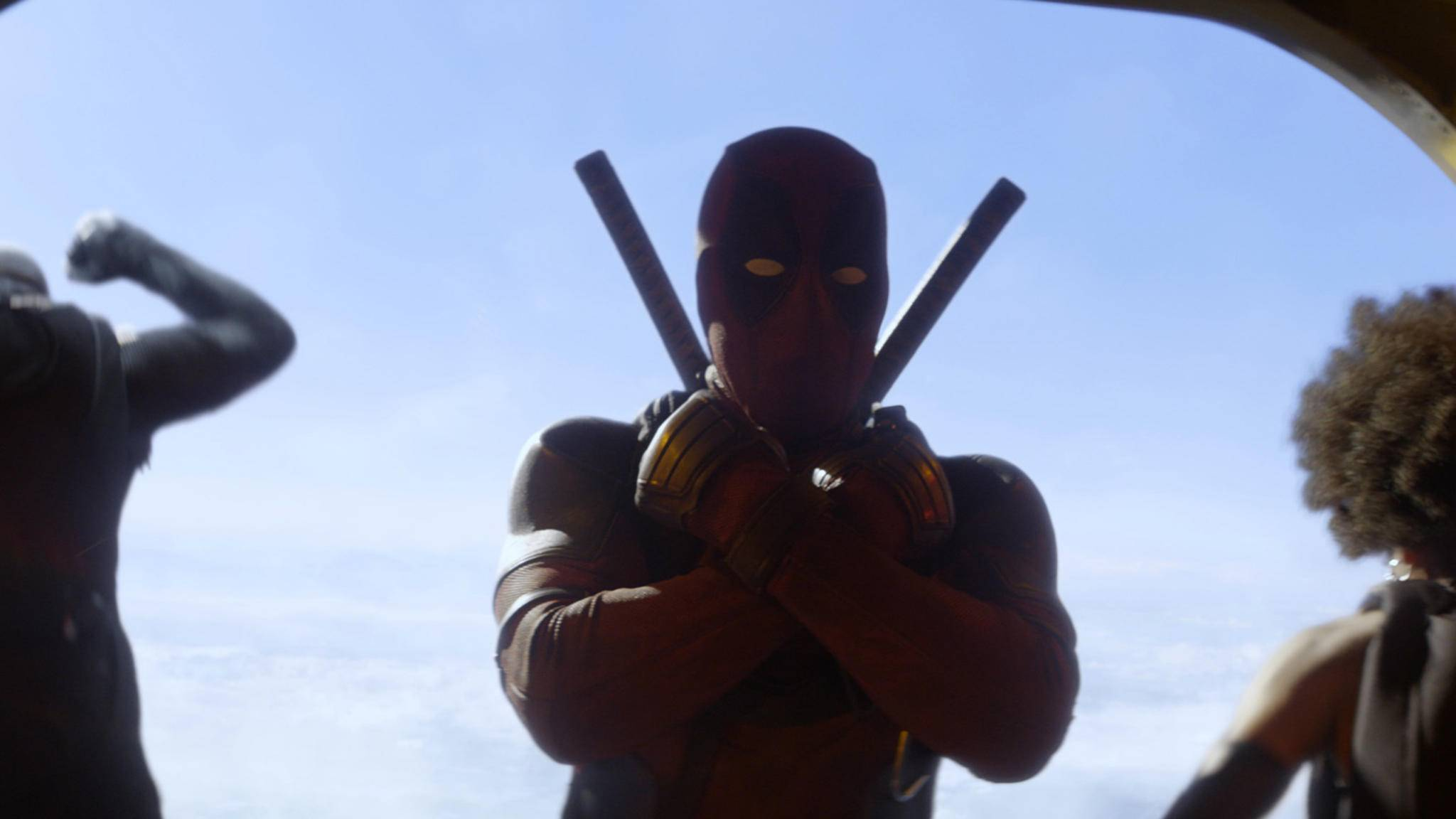 """X-Force Forever! Deadpool bedient sich für seine neue Superduper-Gruppe schamlos am Wakanda-Gruß aus """"Black Panther""""."""