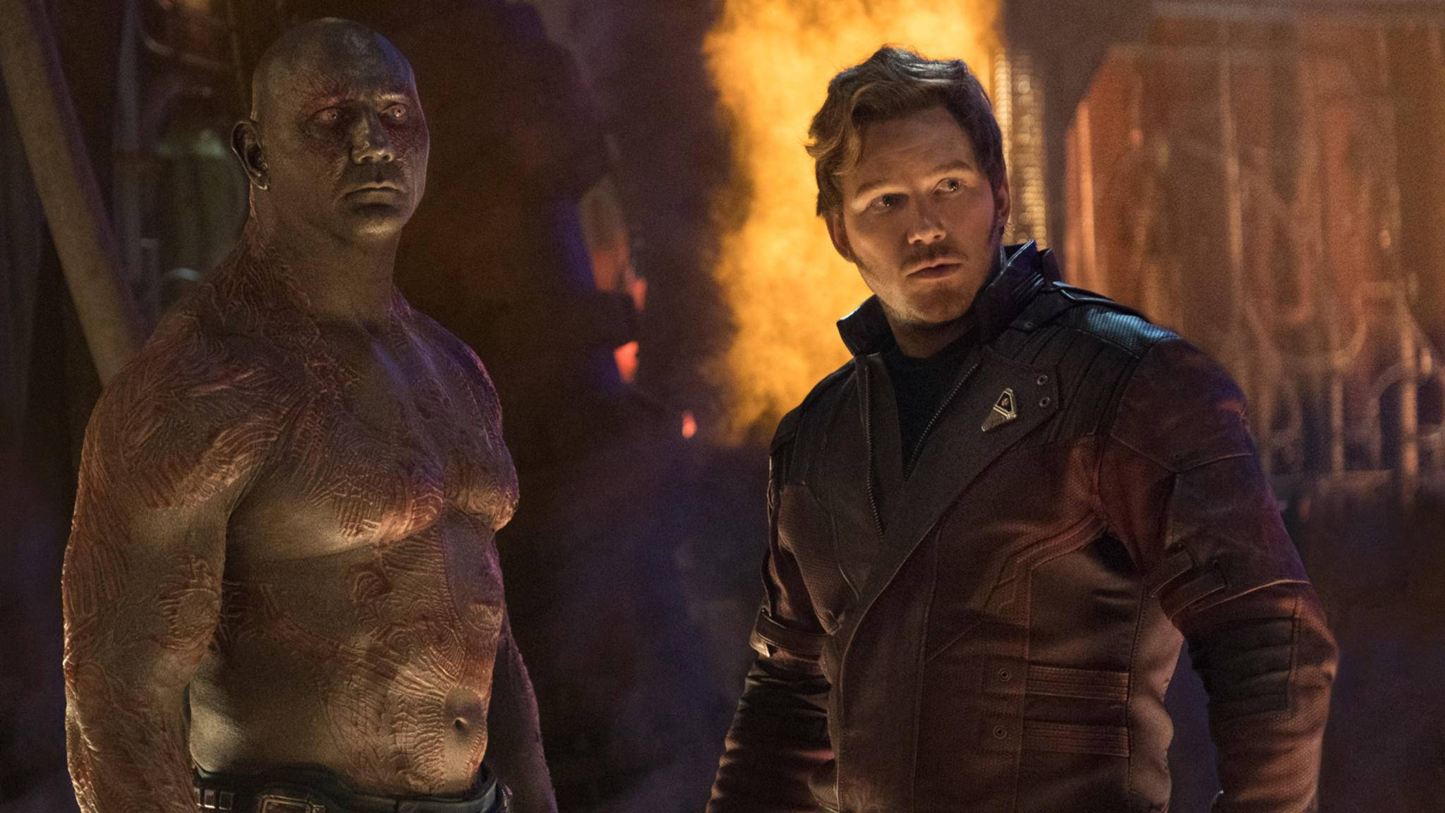 """Dave Bautista alias Drax (links im Bild) ist nur einer der """"Guardians of the Galaxy""""-Stars, der für Regisseur James Gunn in die Bresche springt."""
