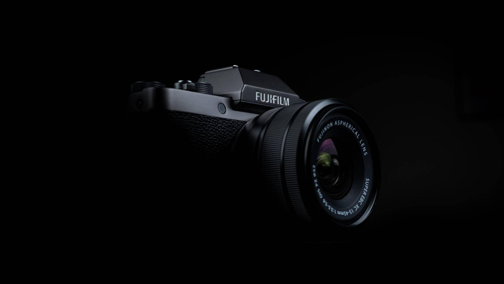 Fujifilm hat die spiegellose X-T100 vorgestellt.