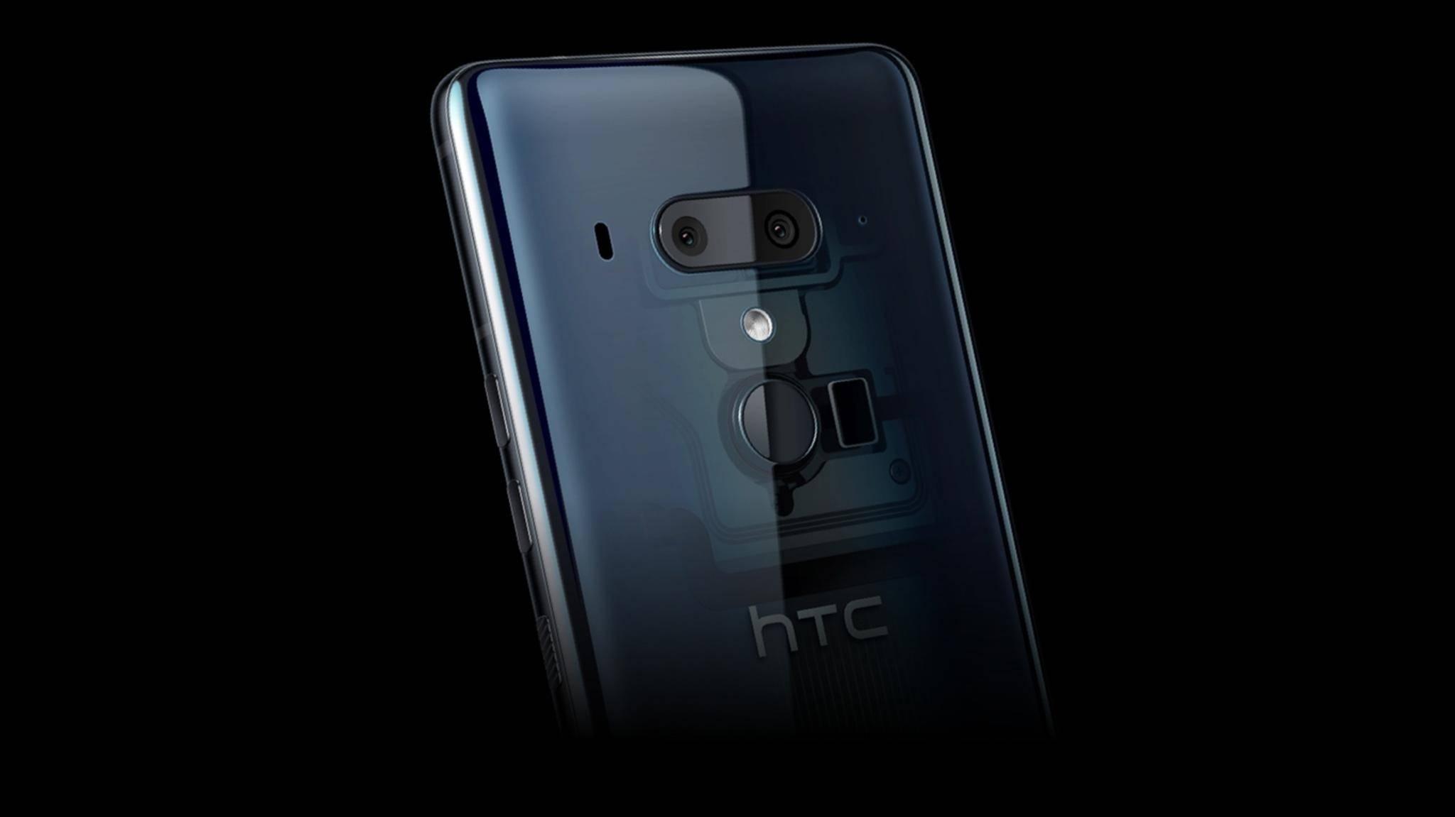 Das HTC U12 Plus hat eine lichtdurchlässige Rückseite.
