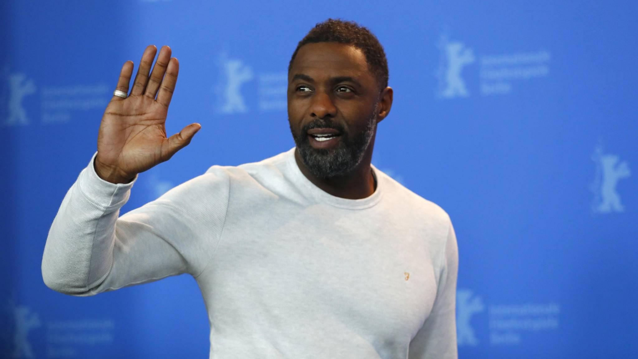 Den Slogan von James Bond hat Idris Elba auf jeden Fall schon mal drauf.