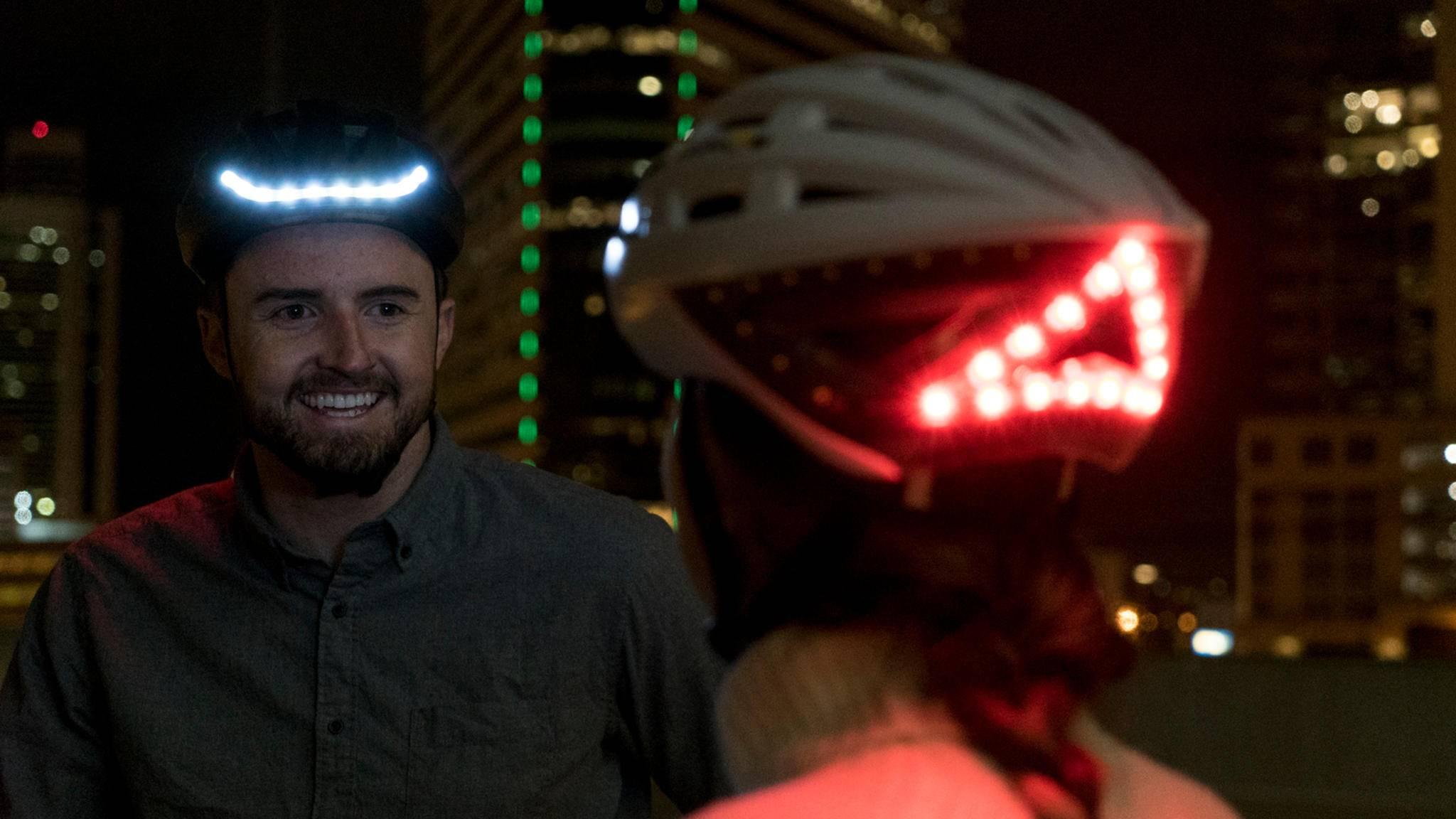 Fahrradhelme wie von Lumos erhöhen Fahrvergnügen und Sicherheit.