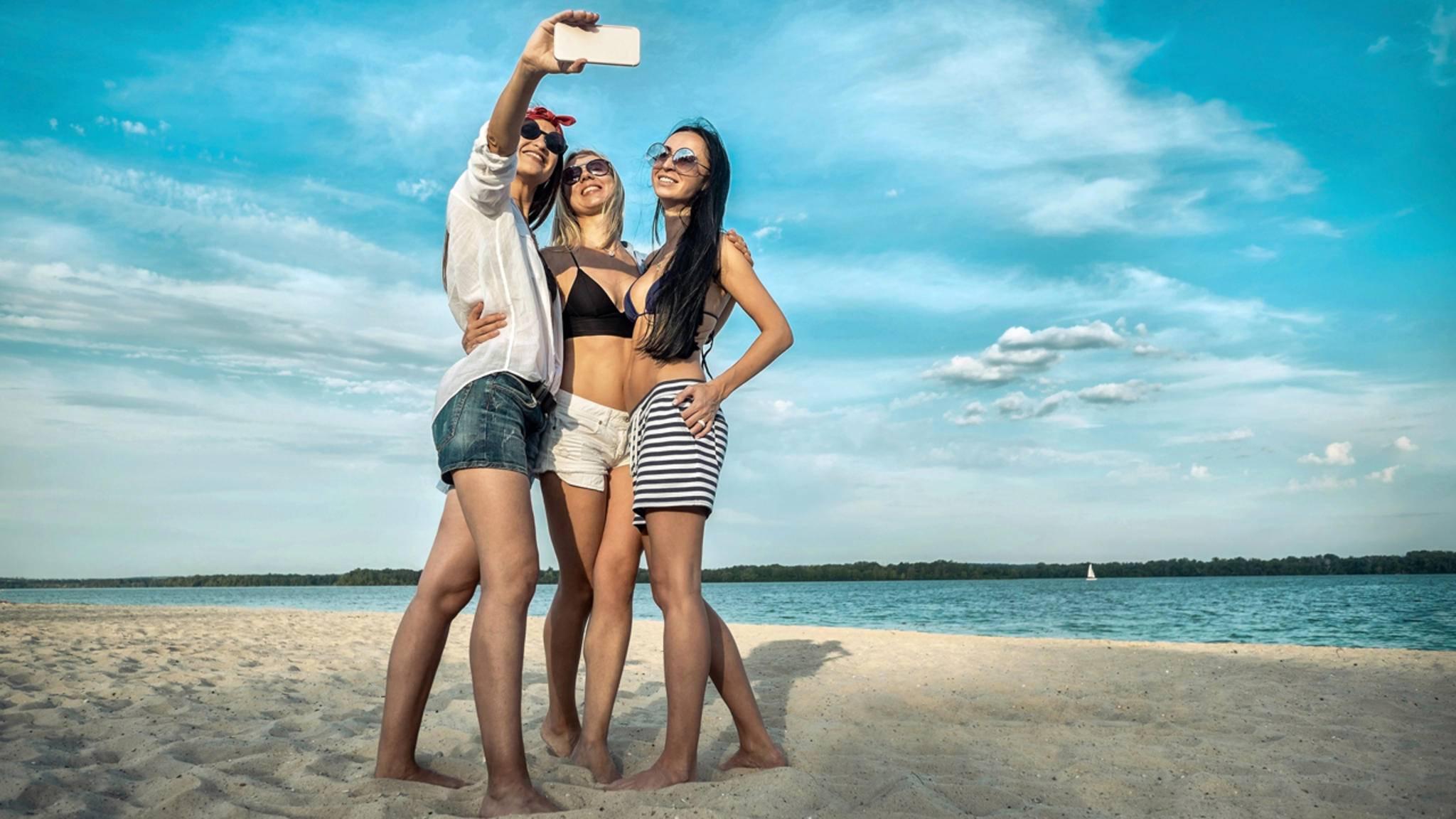 Sommer, Sonne, Strand: Verbreite doch mal etwas Urlaubslaune bei WhatsApp.