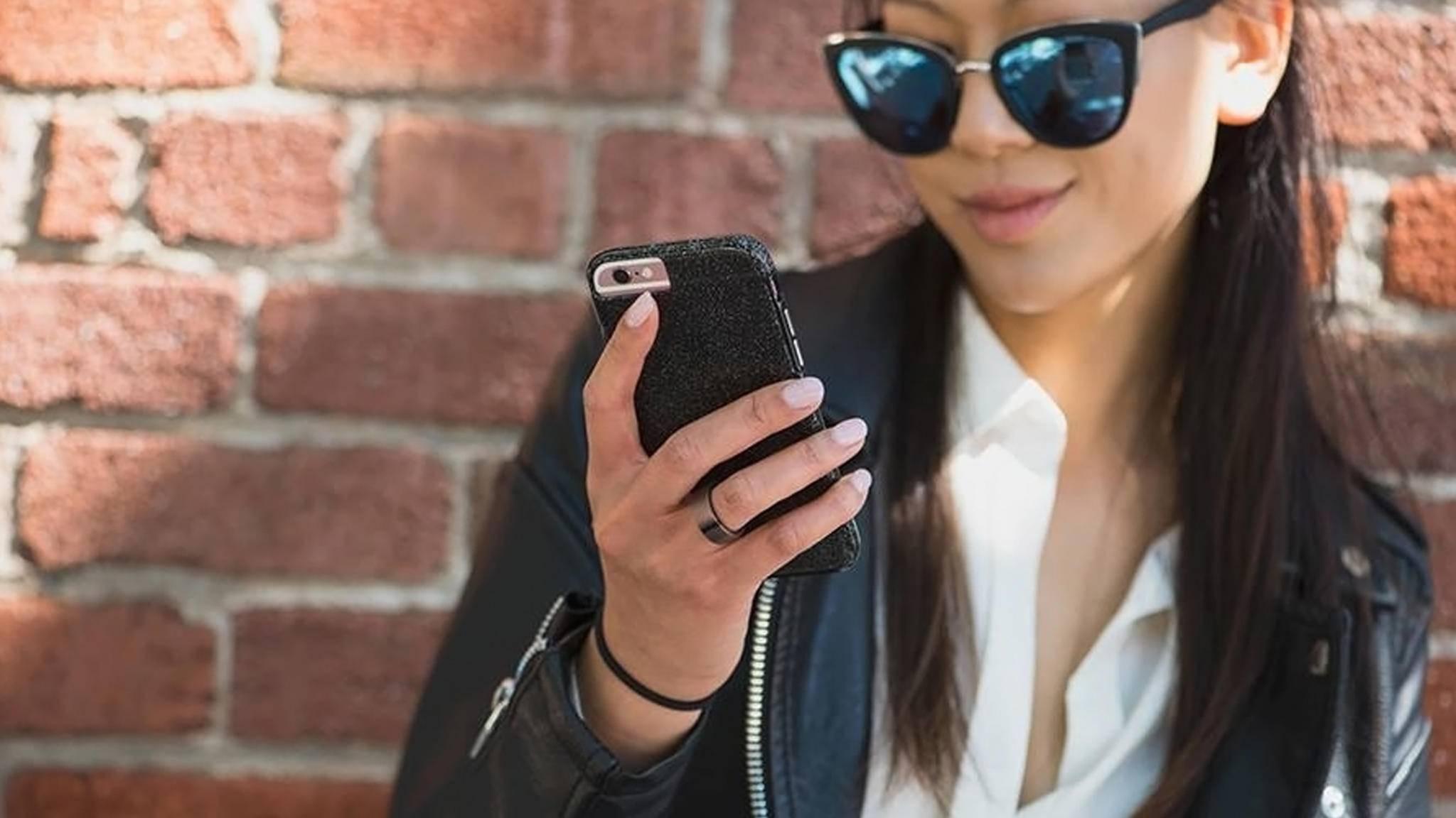 Der Motiv-Ring findet in Zukunft bei Bedarf auch Dein Handy.