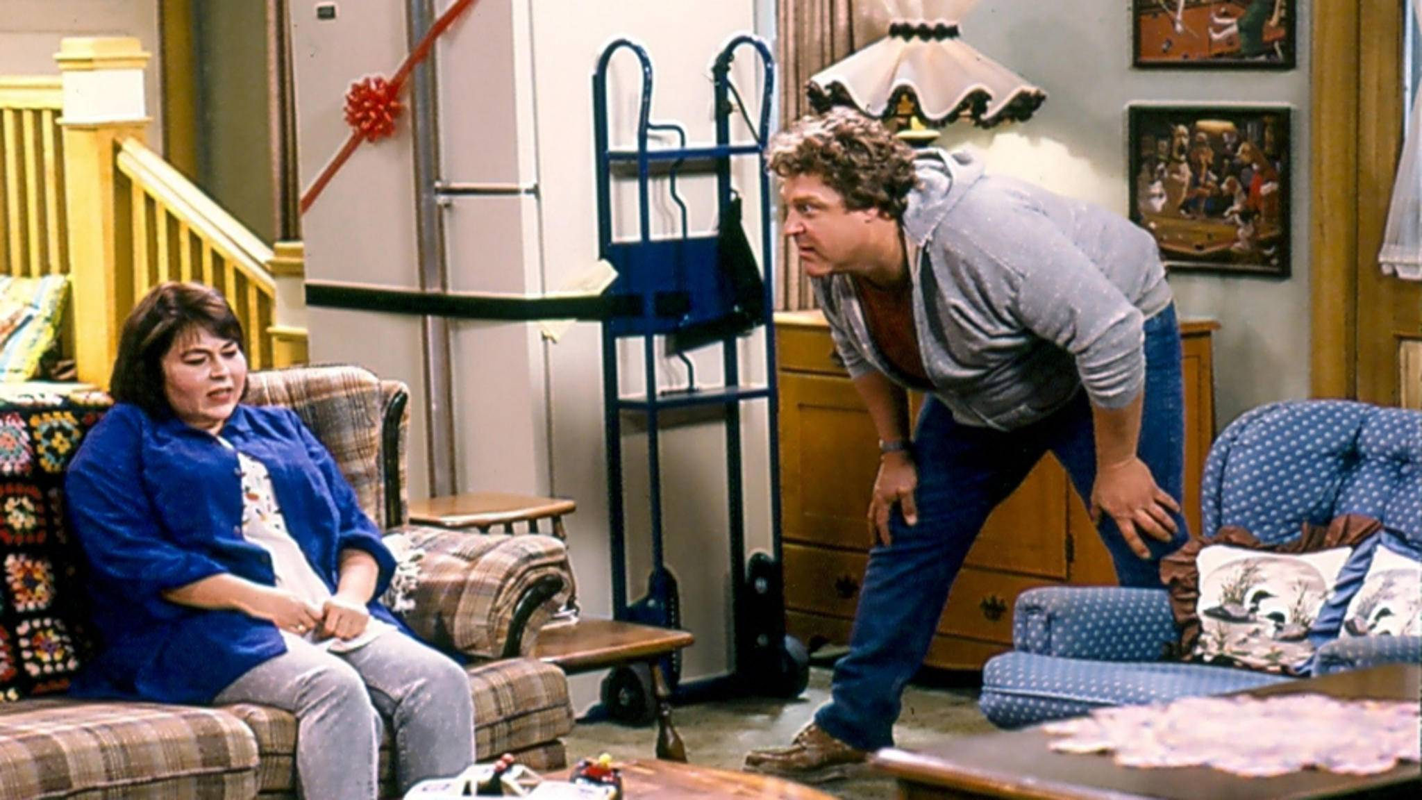 Zeit die Couch zu verlassen: Roseanne wird beim Spin-off nicht dabei sein.