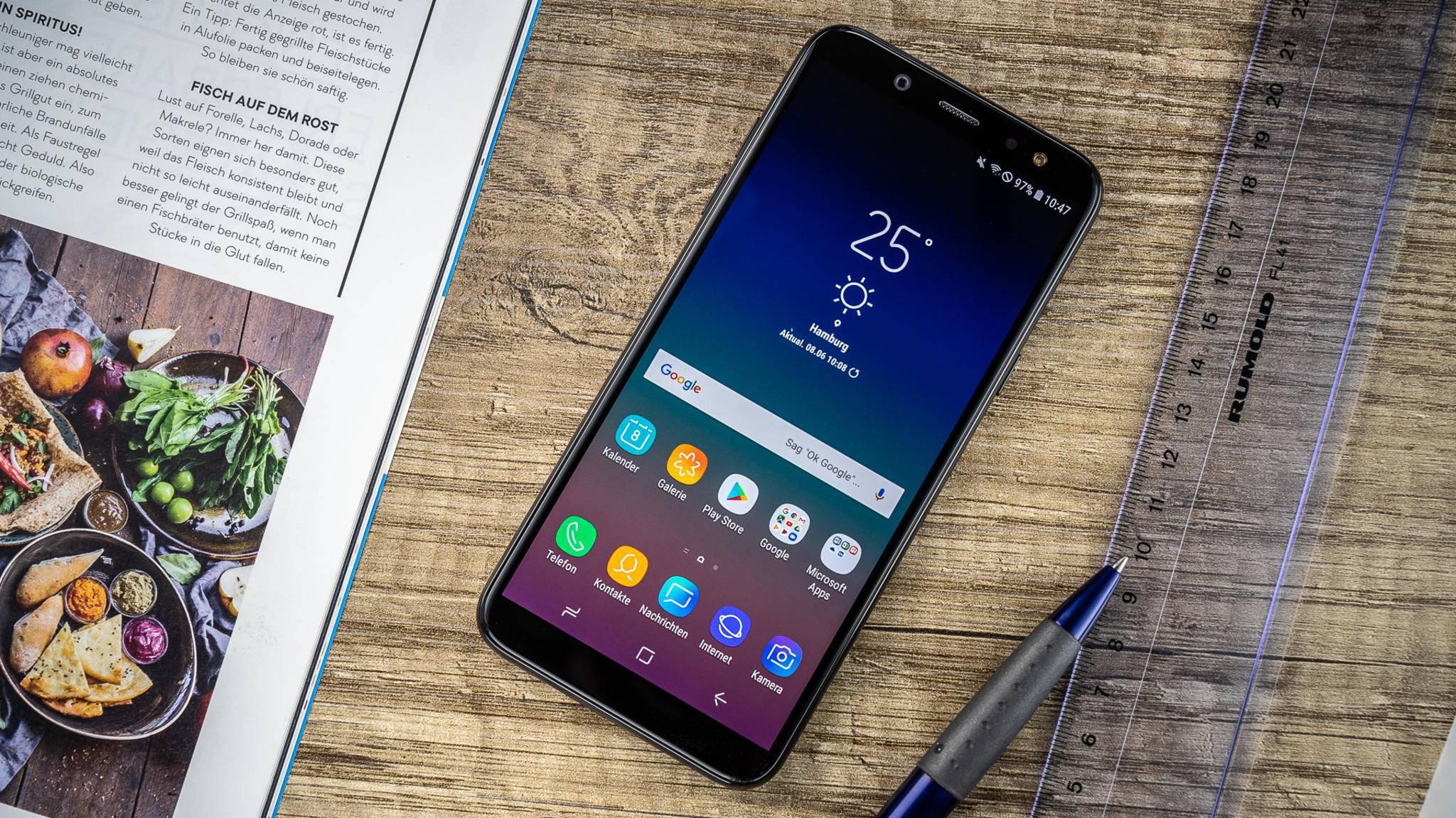Das Galaxy A6 (2018) bietet ein Metall-Design und ein Amoled-Display.