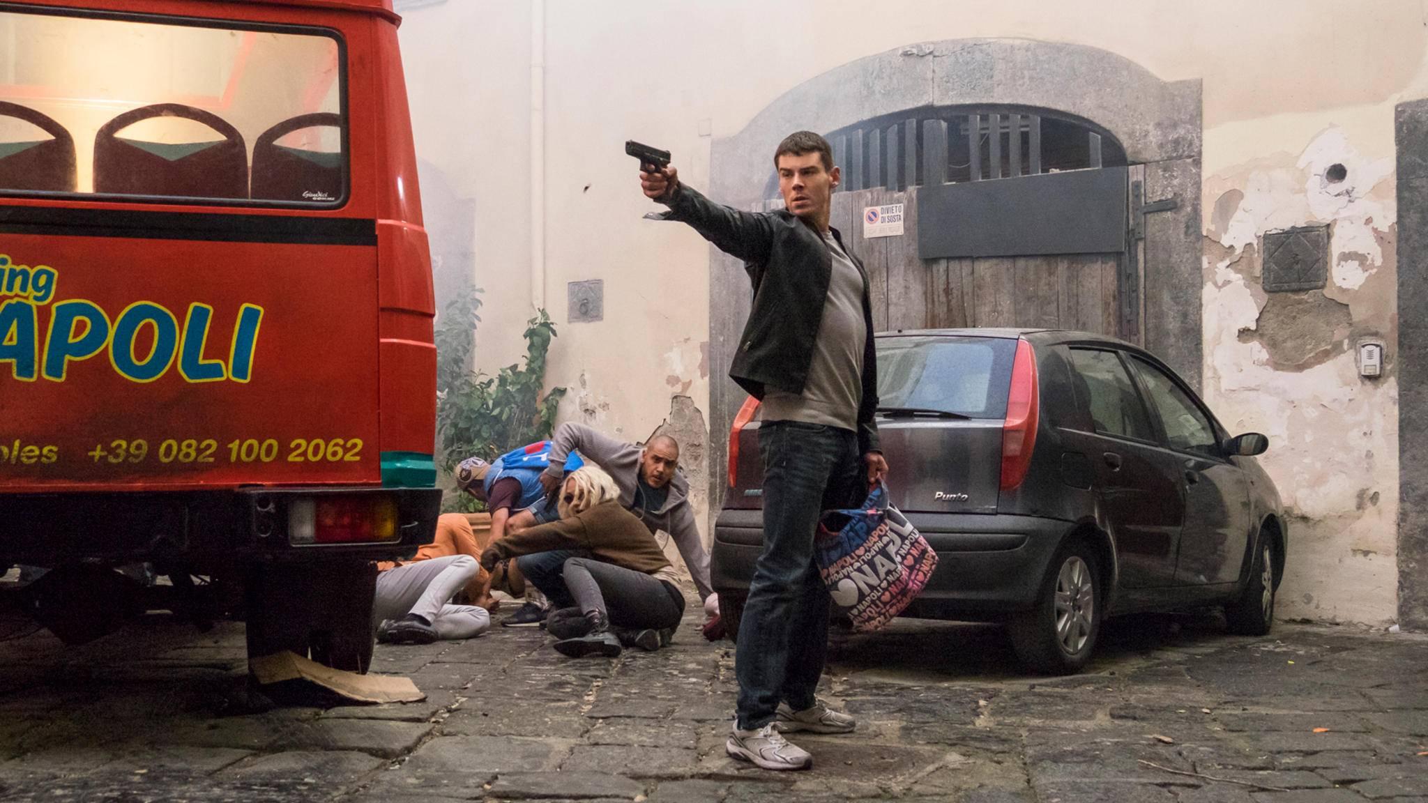 """Brian J. Smith (hier in """"Sense8"""") ist einer von zwei Hauptdarstellern in der geplanten """"Treadstone""""-Serie."""