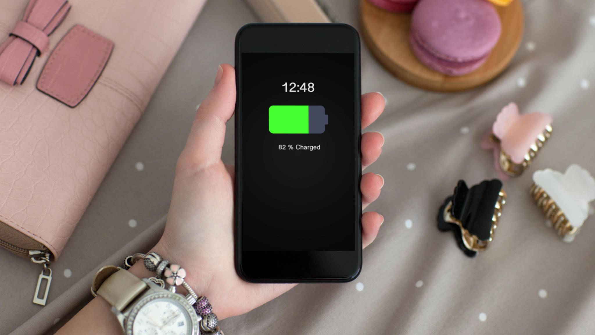 Gibt Apple die Laufzeit seiner iPhones immer etwas zu hoch an?