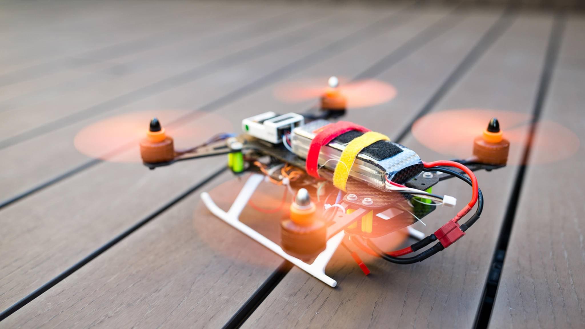 Eine Drohne selber zu bauen, ist mit einer guten Anleitung gar nicht so schwer.