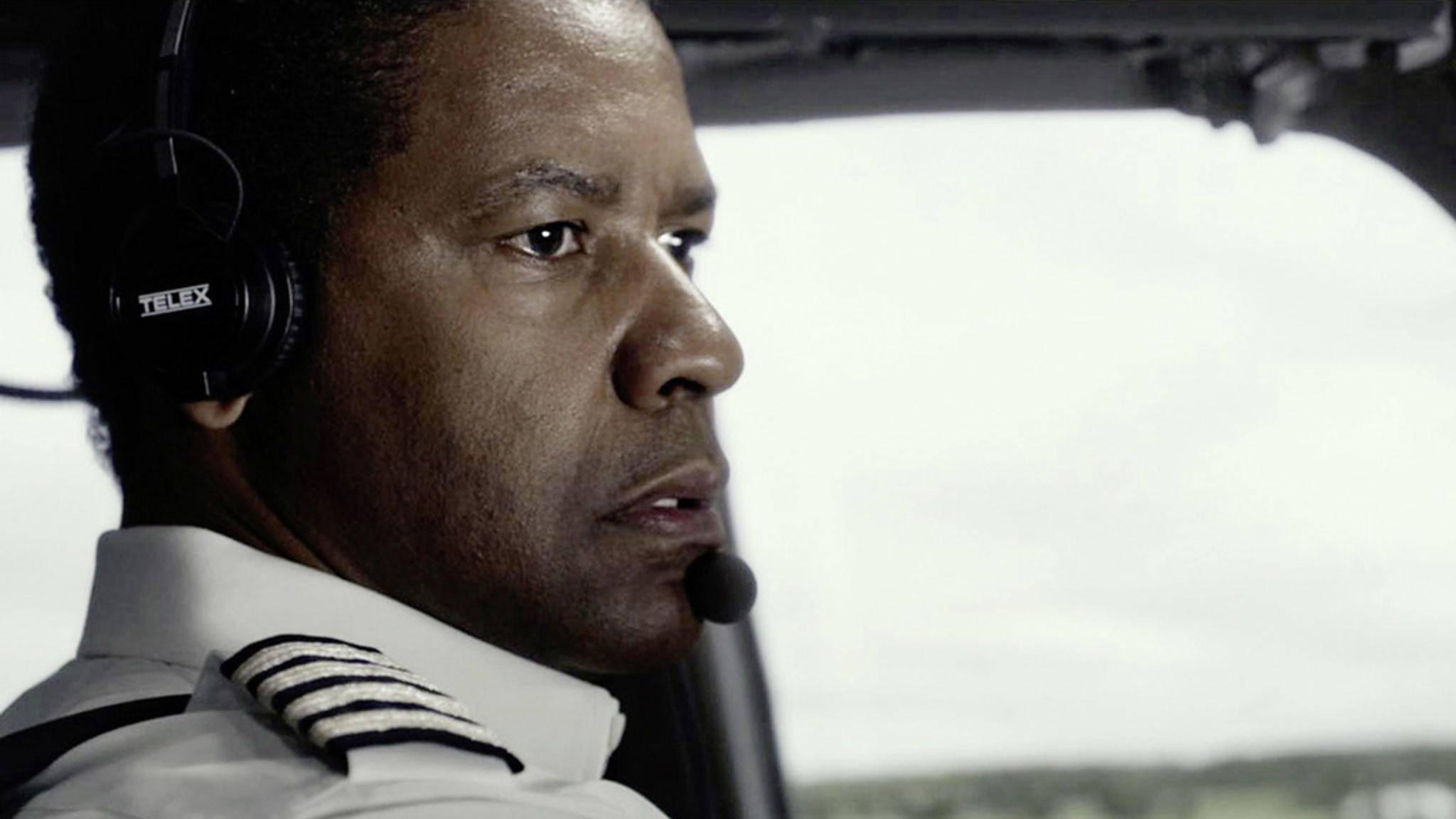 """Gerade noch mal gut gegangen: In """"Flight"""" verhindert William Withaker (Denzel Washington) eine Katastrophe."""