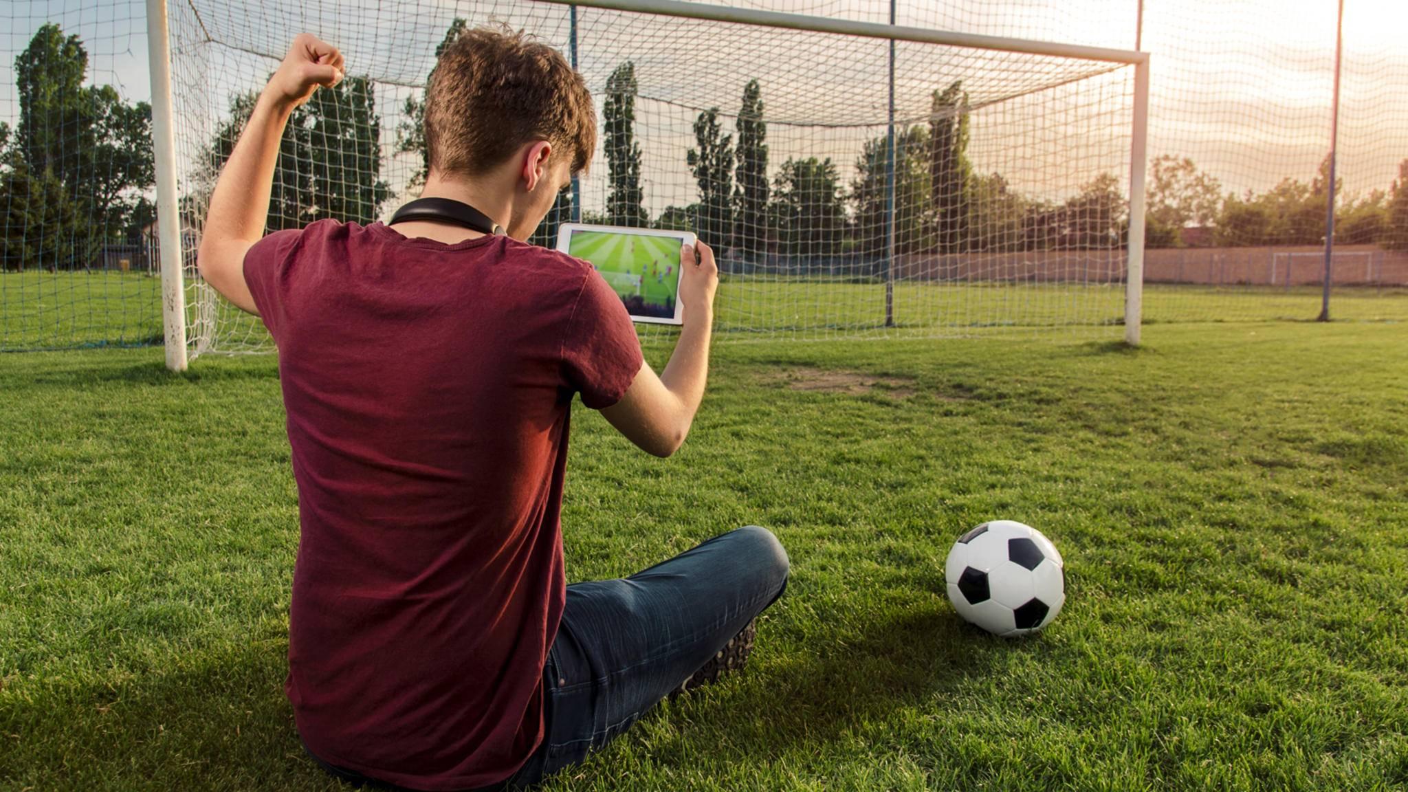 Wie Du die Bundesliga kostenlos und online verfolgen kannst? Wir verraten es Dir.
