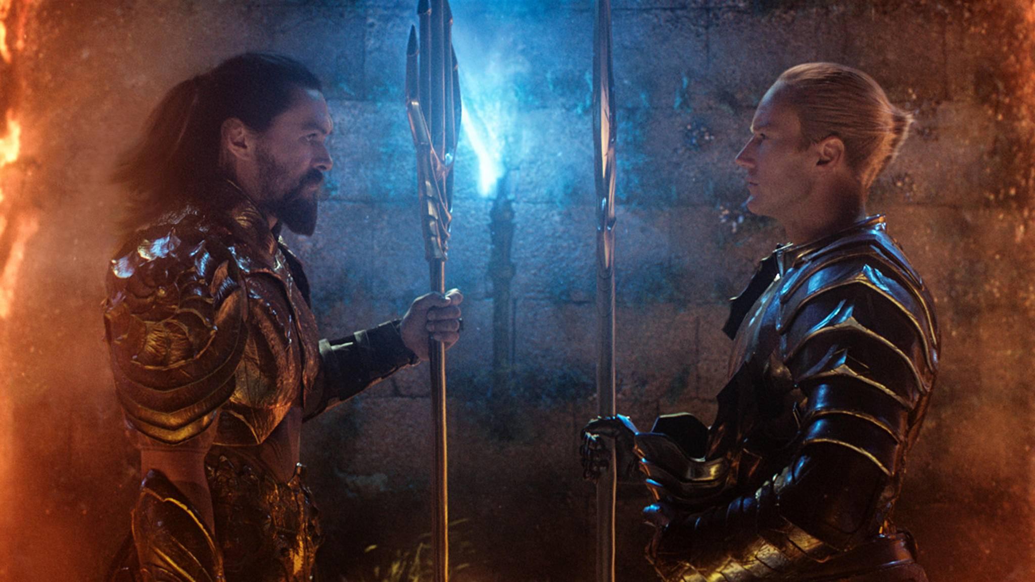 Im ersten Trailer prallt Arthur Curry aka Aquaman (Jason Momoa, links) mit seinem Halbbruder King Orm (Patrick Wilson, rechts) zusammen.