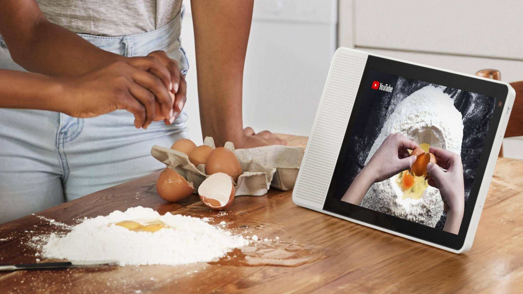 Das Lenovo Smart Display lässt sich via Google Assistant mit Sprachbefehlen steuern.
