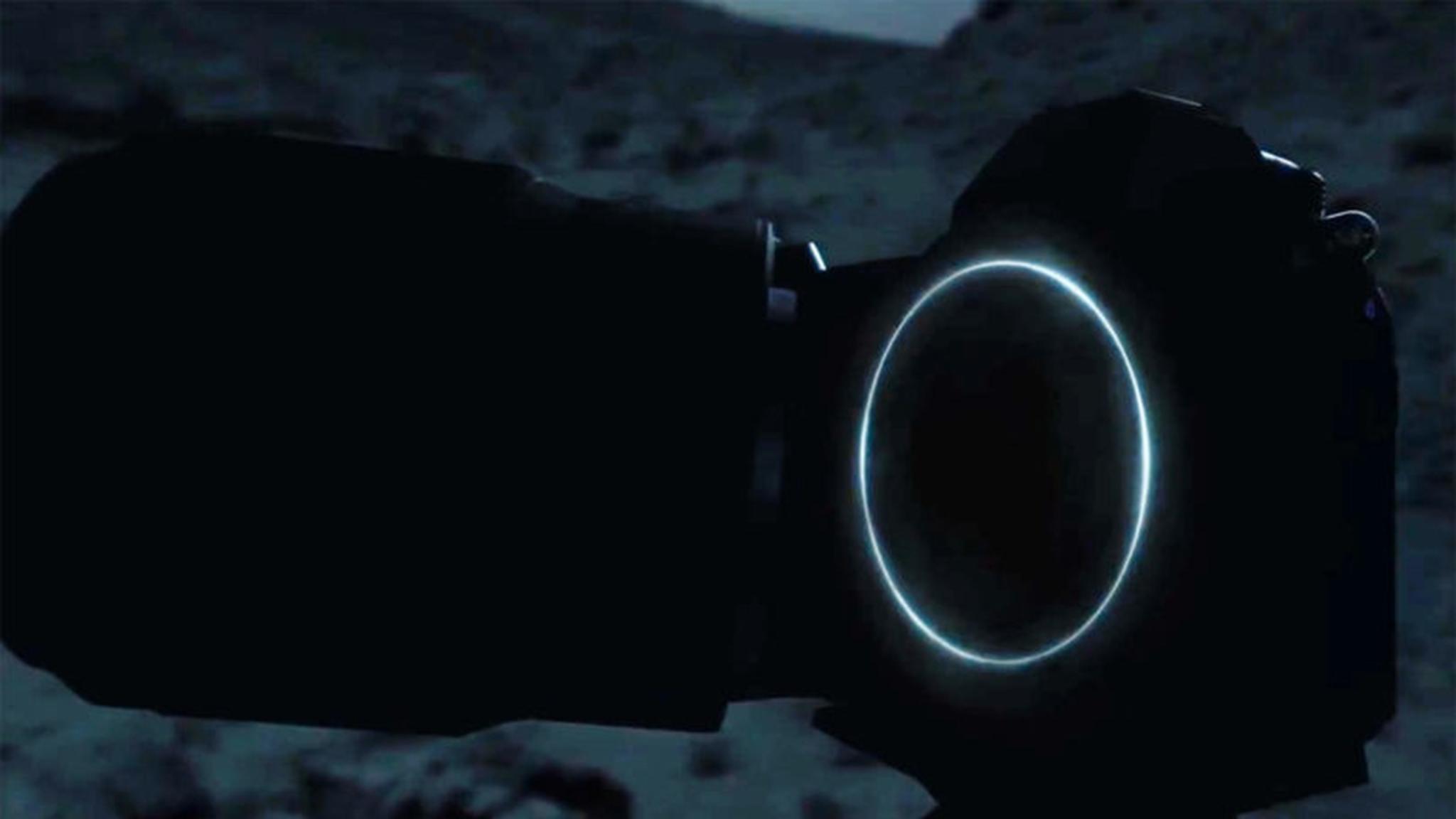 Die erste Vollformat-DSLM von Nikon ist nun offiziell.
