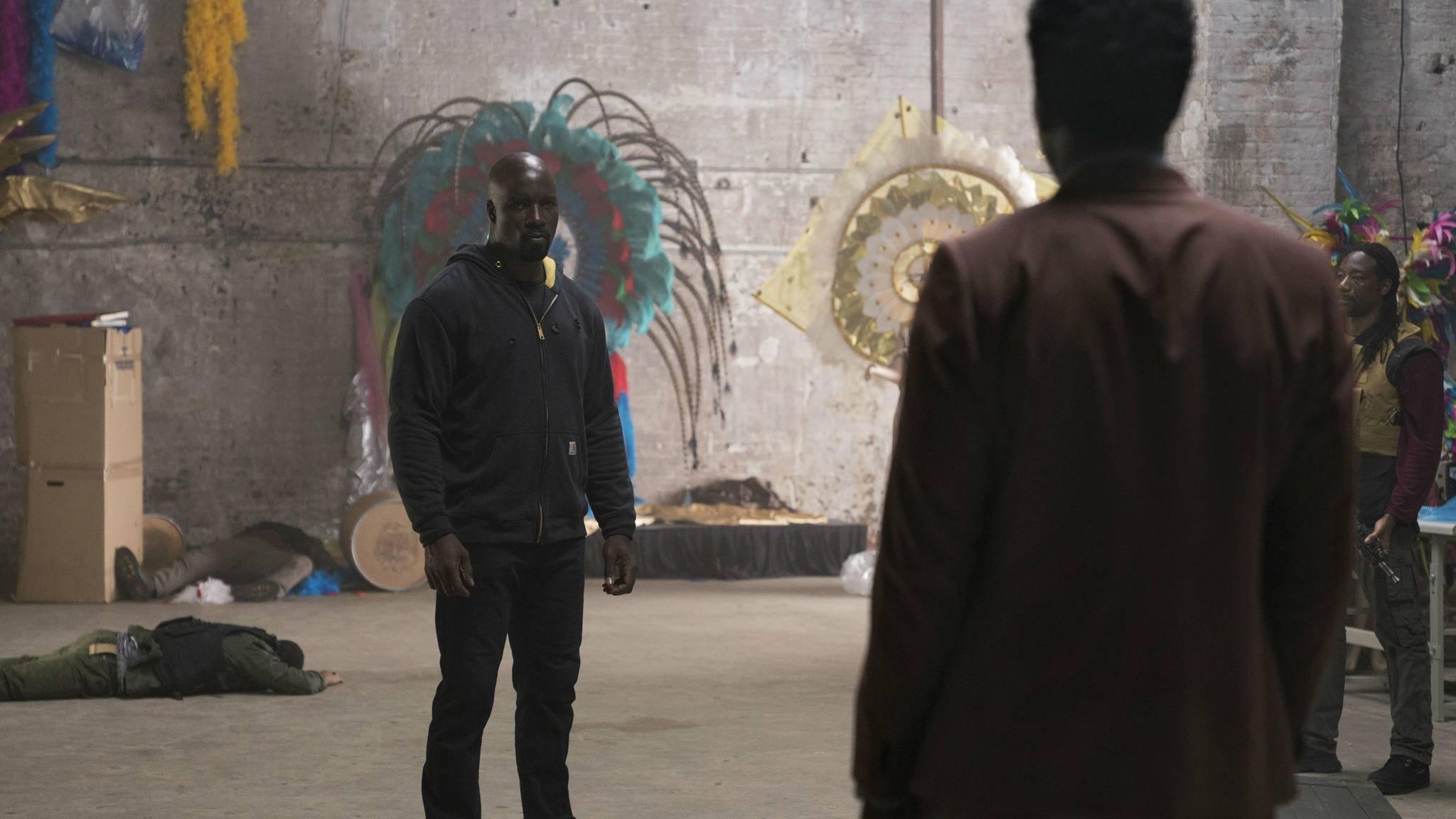 Von seinen Gegnern an die Wand gespielt? Luke Cage wirkt in Staffel 2 etwas blass.