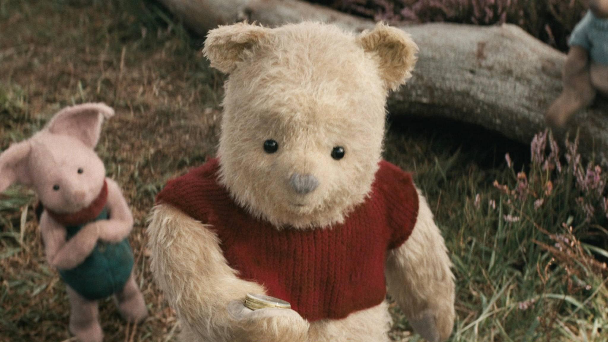 """2018 erobert der """"dumme alte Bär"""" im CGI-Look die große Leinwand."""