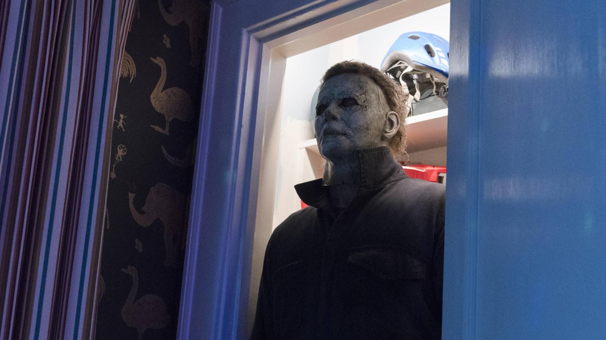 """Halloween am """"Halloween""""-Set? Das muss gefeiert werden! Am besten mit einem Video für alle Fans."""