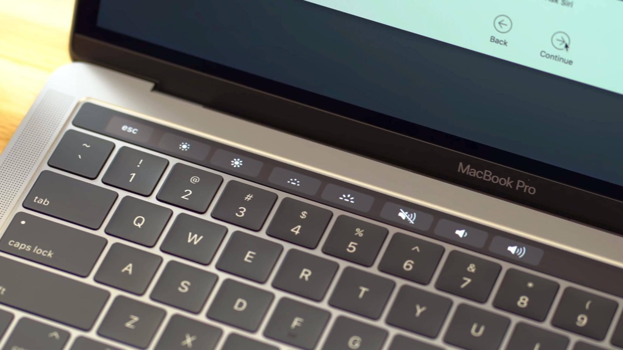 Auch das MacBook Pro 2018 hat eine Touch Bar.