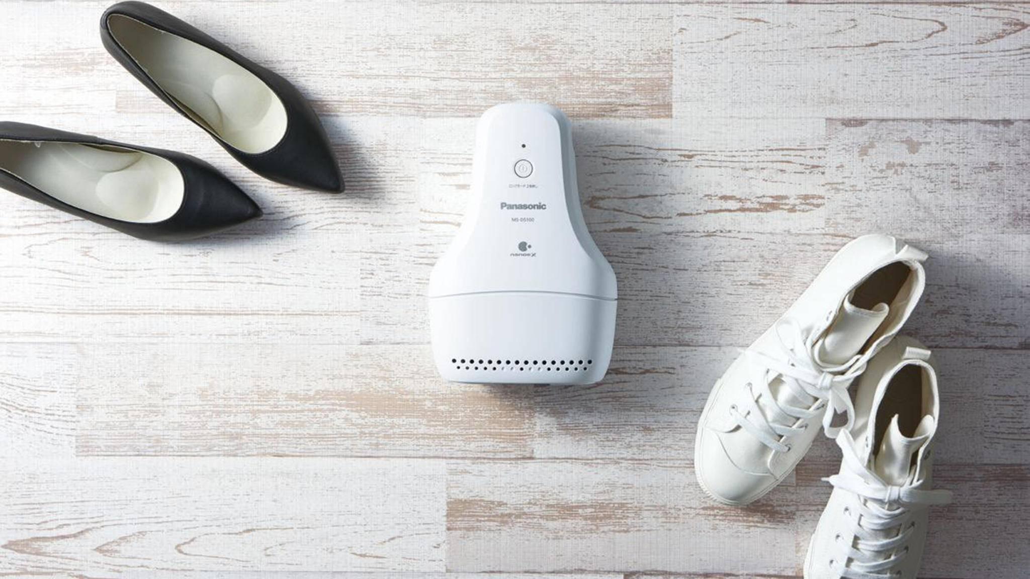 Nie wieder schlechte Gerüche im Schuh? Dafür soll das elektronische Schuhdeo von Panasonic sorgen.
