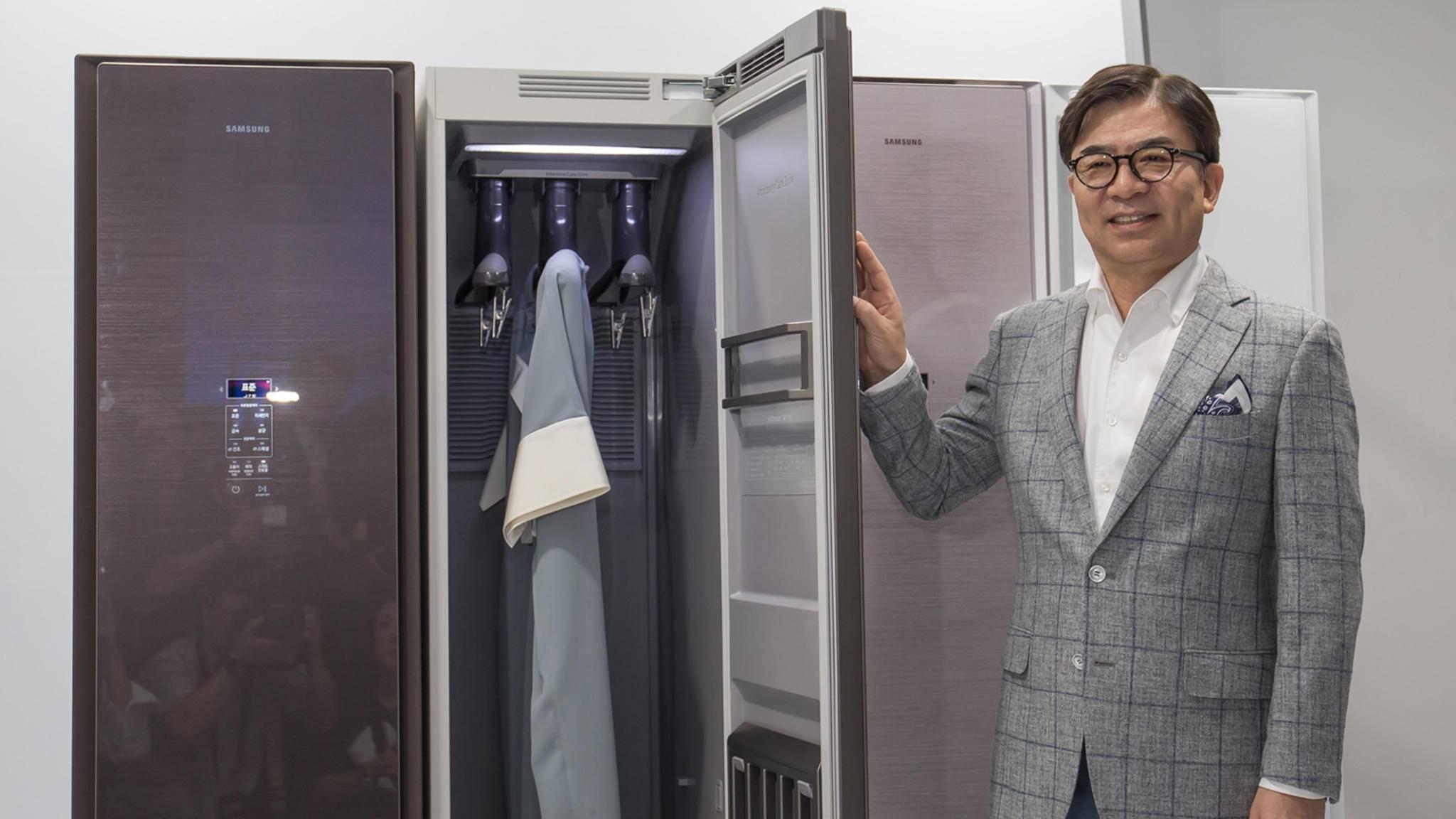 Der Air Dresser von Samsung soll schlechten Gerüchen und Schmutz den Kampf ansagen.