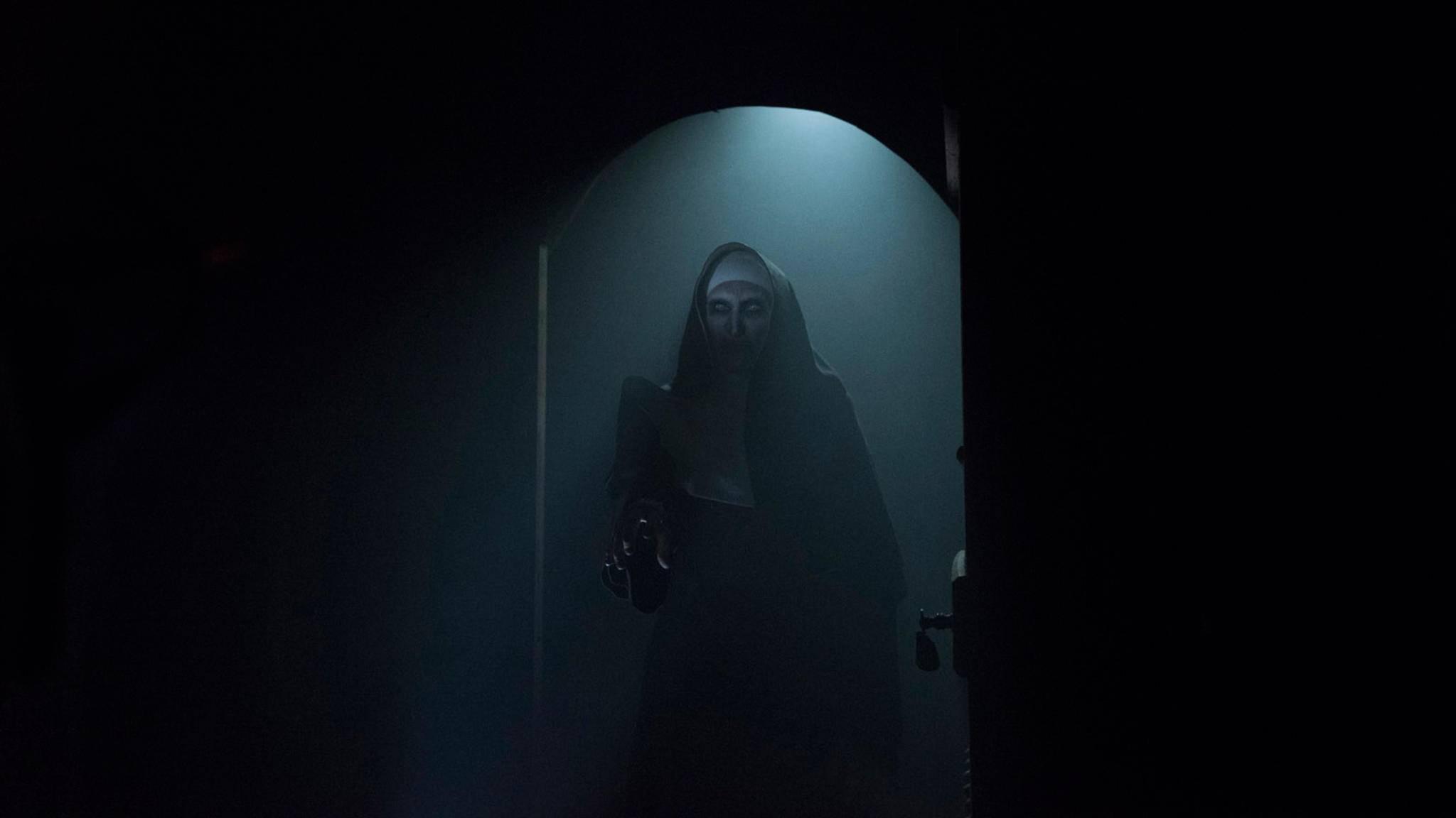 """Nicht nur in """"The Nun"""", auch auf YouTube verbreitet die dämonische Nonne Angst und Schrecken."""