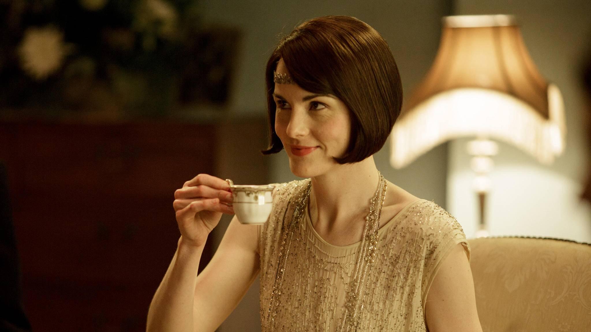 Abwarten und Tee trinken? Michelle Dockery ist bei der Vorbereitung gewissenhafter.