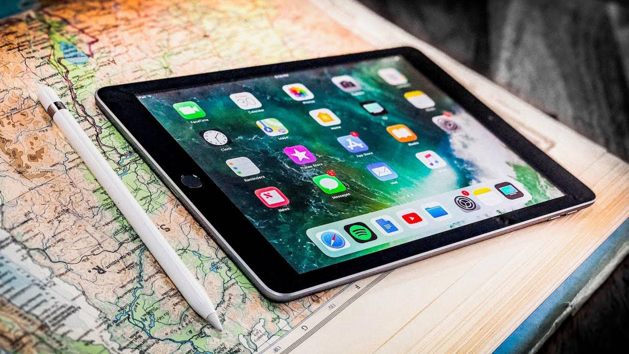 Ein deaktiviertes iPad kannst Du über iTunes wiederherstellen.