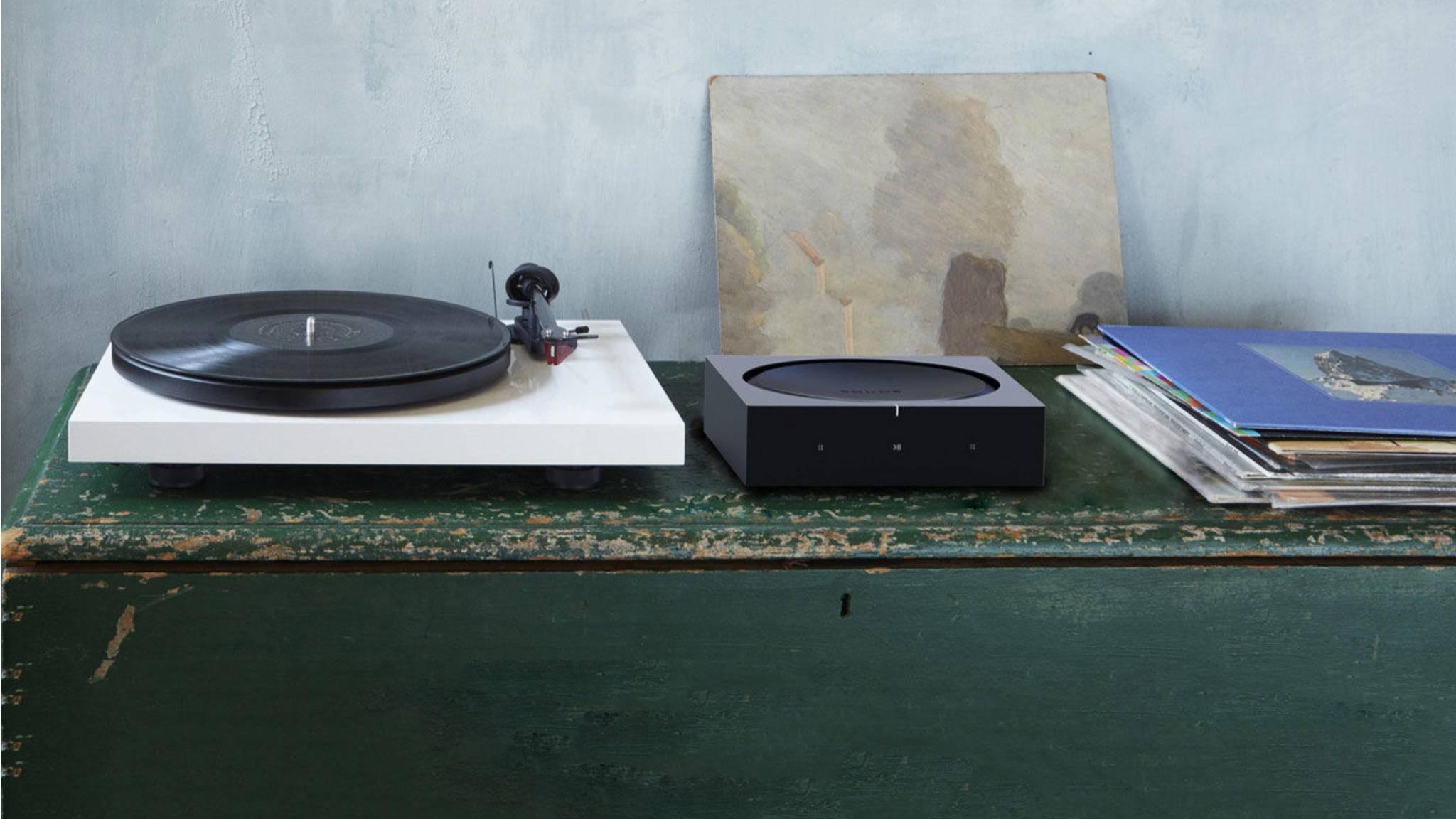 Alte Schallplattenspieler können ebenso an den Sonos Amp angeschlossen werden.