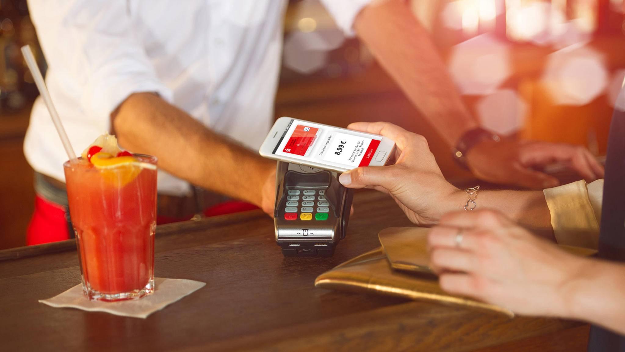 Der offizielle Start von Apple Pay bei den Sparkassen steht unmittelbar bevor.
