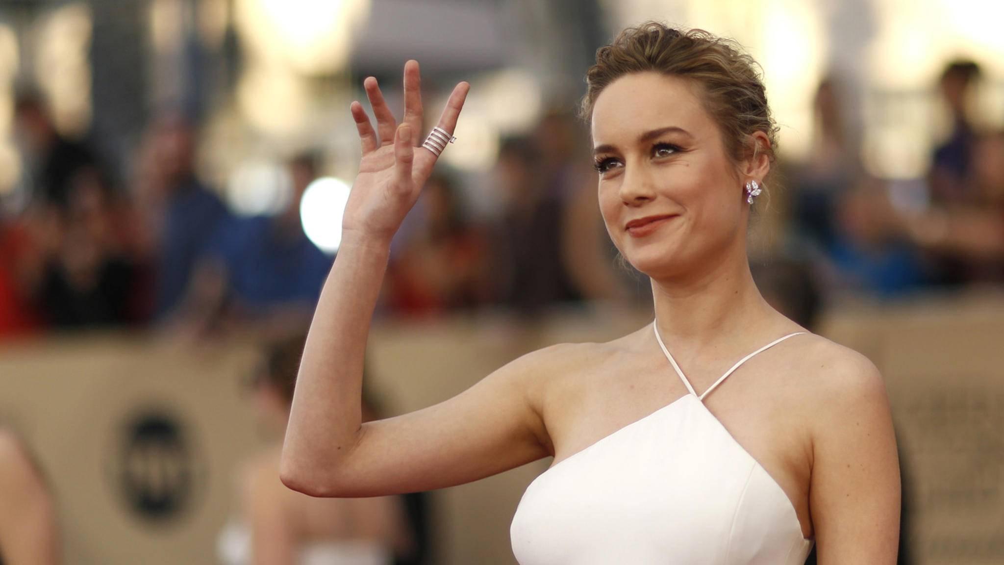"""Mit einem lässigen Gruß via Twitter setzte Brie Larson den Marketing-Zug zu """"Captain Marvel"""" in Gang."""