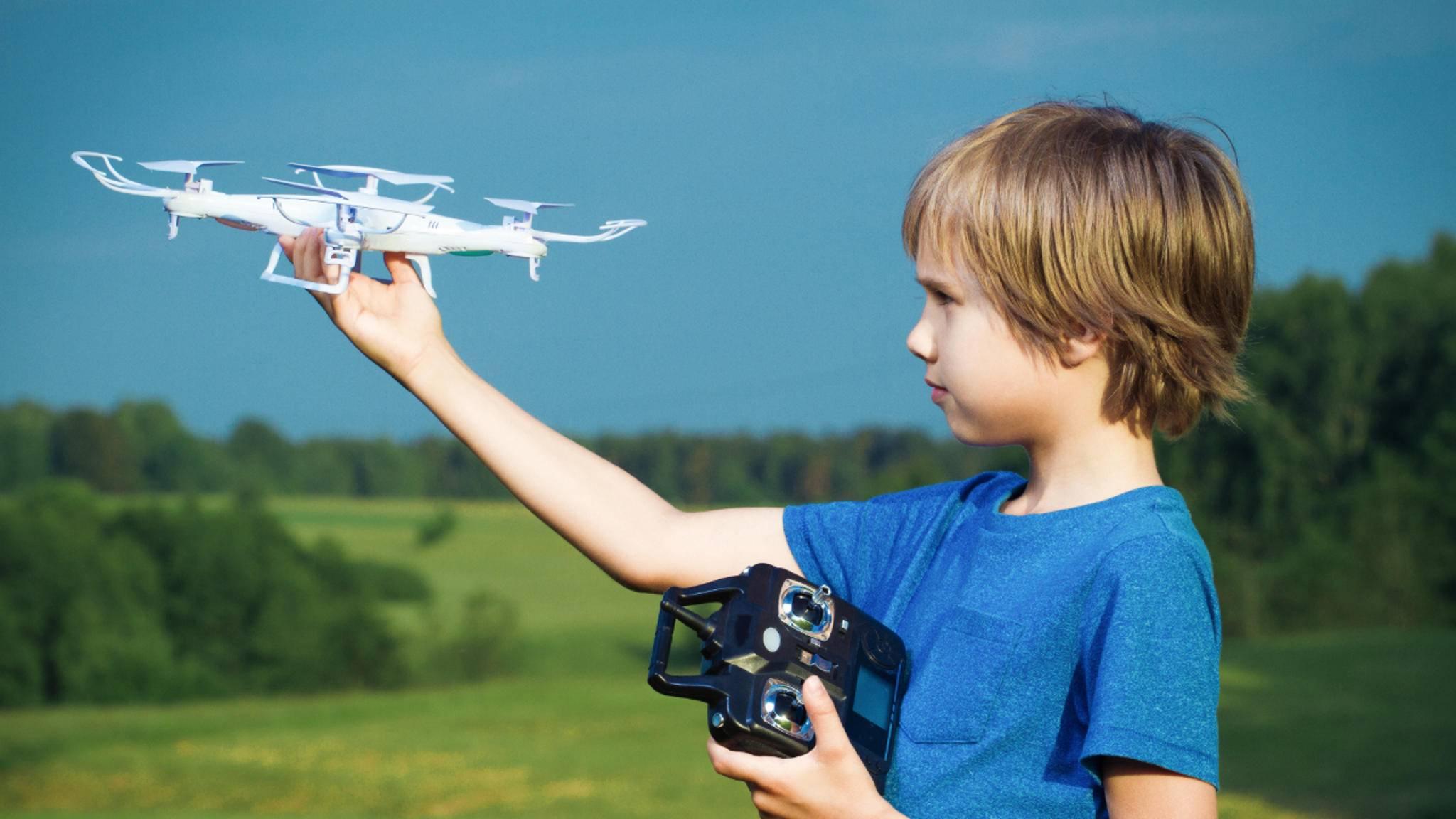 Wir stellen die passenden Drohnen für Kinder vor.
