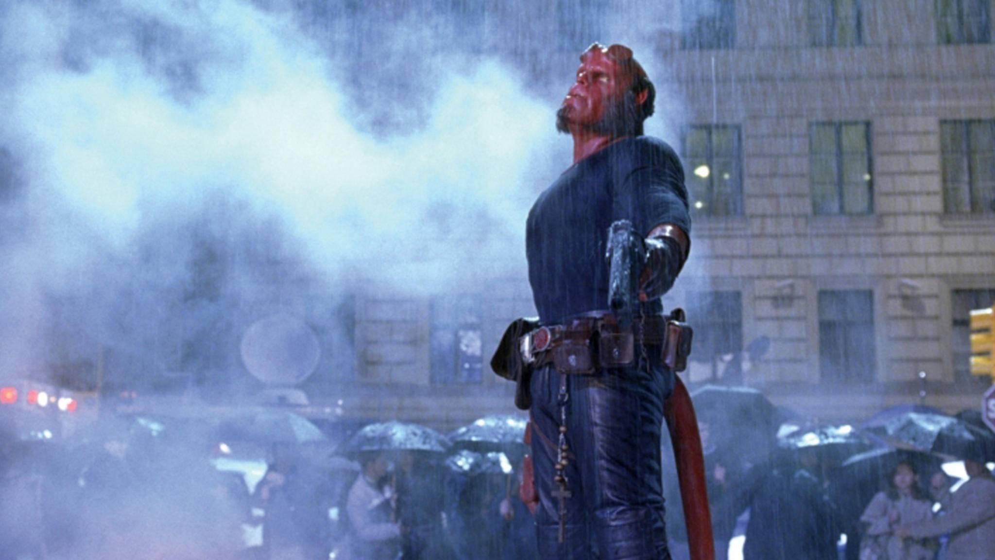 Hellboy kommt etwas später in die Kinos – das ist aber (fast) kein Grund für verregnete Gesichter.