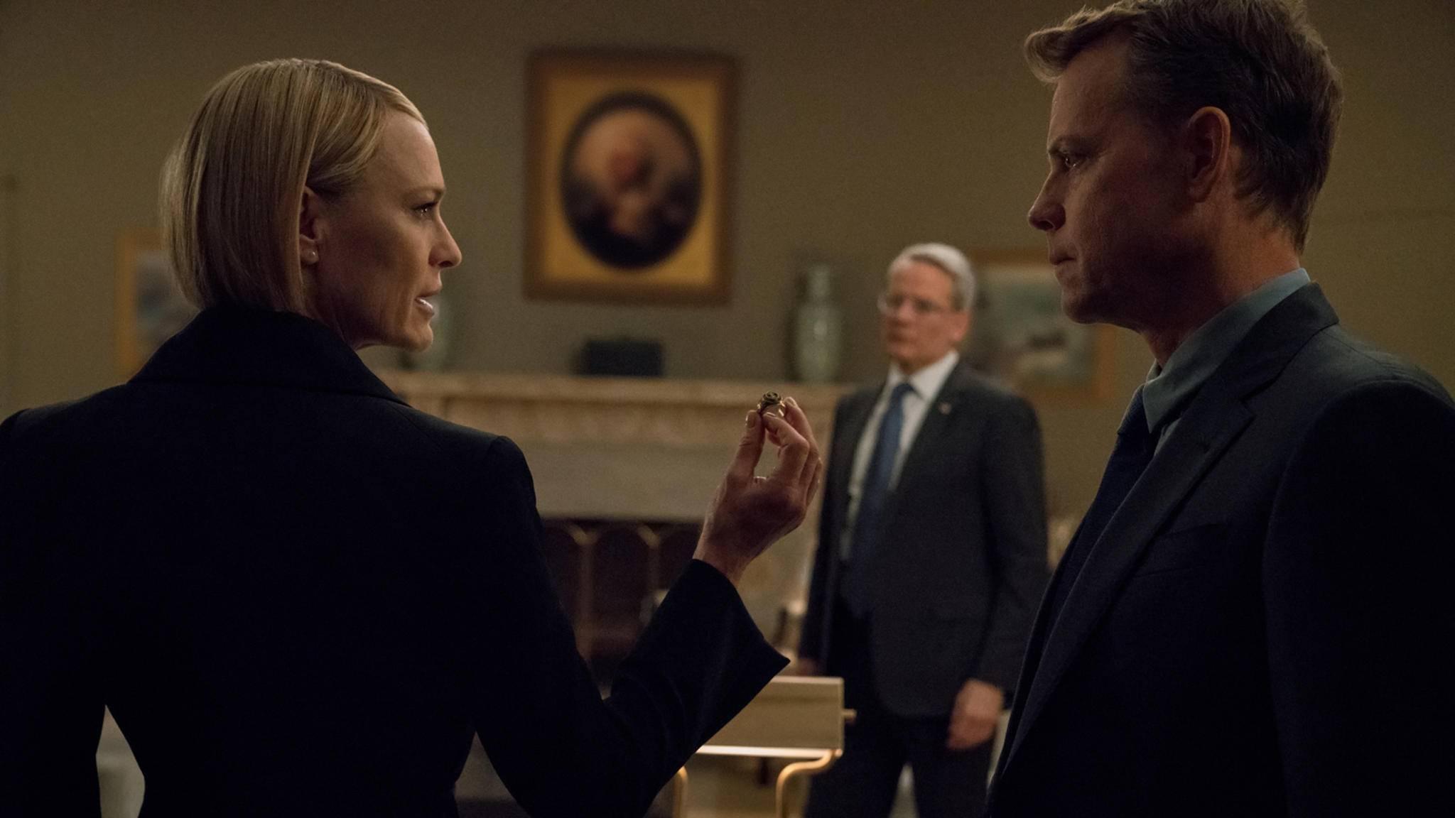 "Hier sehen wir Greg Kinnear (rechts) noch in ""House of Cards"", bald steht er seinen Mann in ""The Stand""."