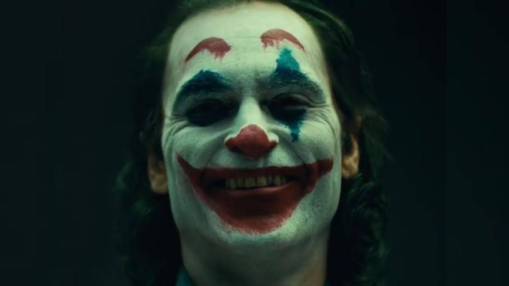 """""""Put on a happy face"""", lautet das vorläufige Motto des neuen Jokers ..."""