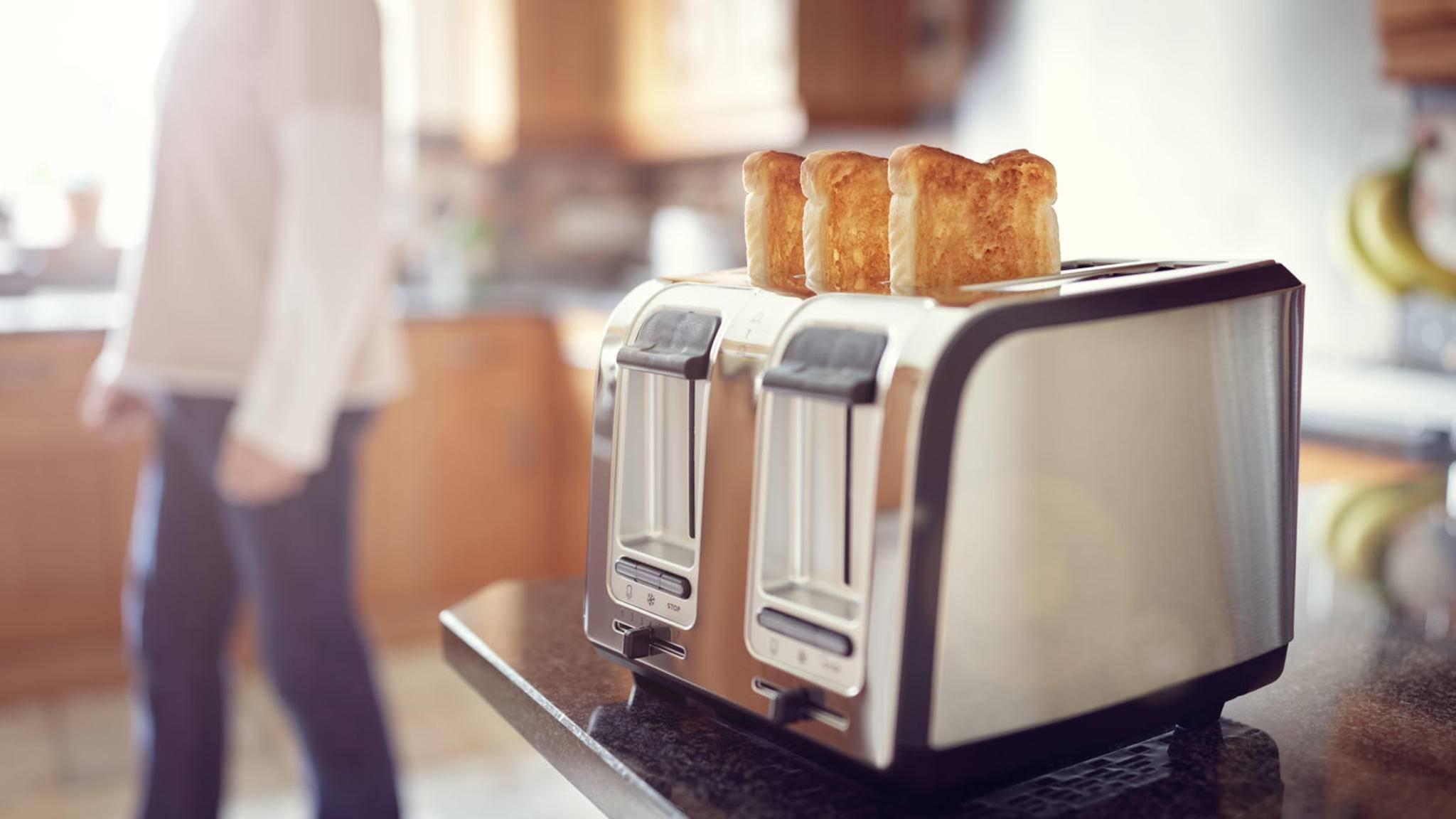 Ein sauberer Toaster macht zwar keinen leckereren Toast, sieht aber gleich viel besser aus.