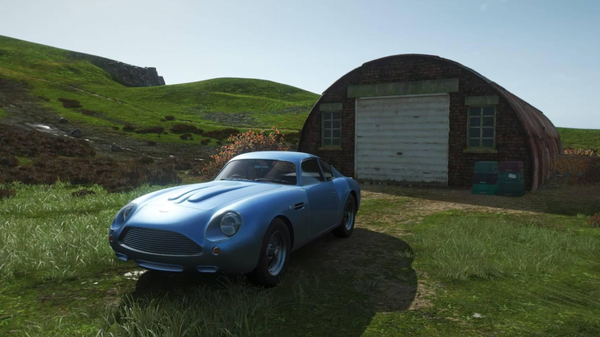 """Der Aston Martin DB4 Zagato ist nur einer von vielen seltenen Wagen, die in Scheunen quer über die Spielwelt von """"Forza Horizon 4"""" verteilt sind."""