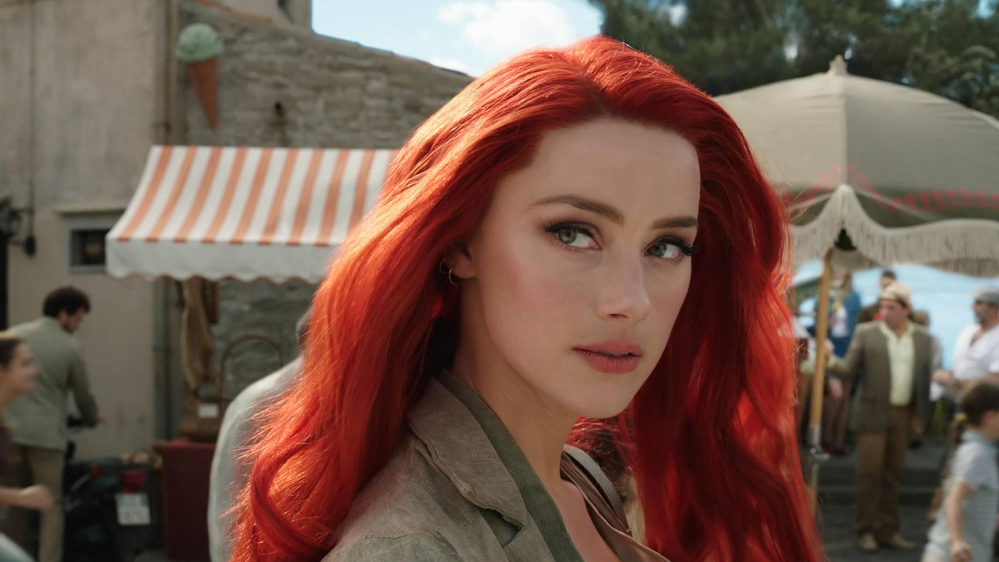 """Der aktuelle Film von """"Aquaman""""-Star Amber Heard ist gnadenlos gefloppt."""