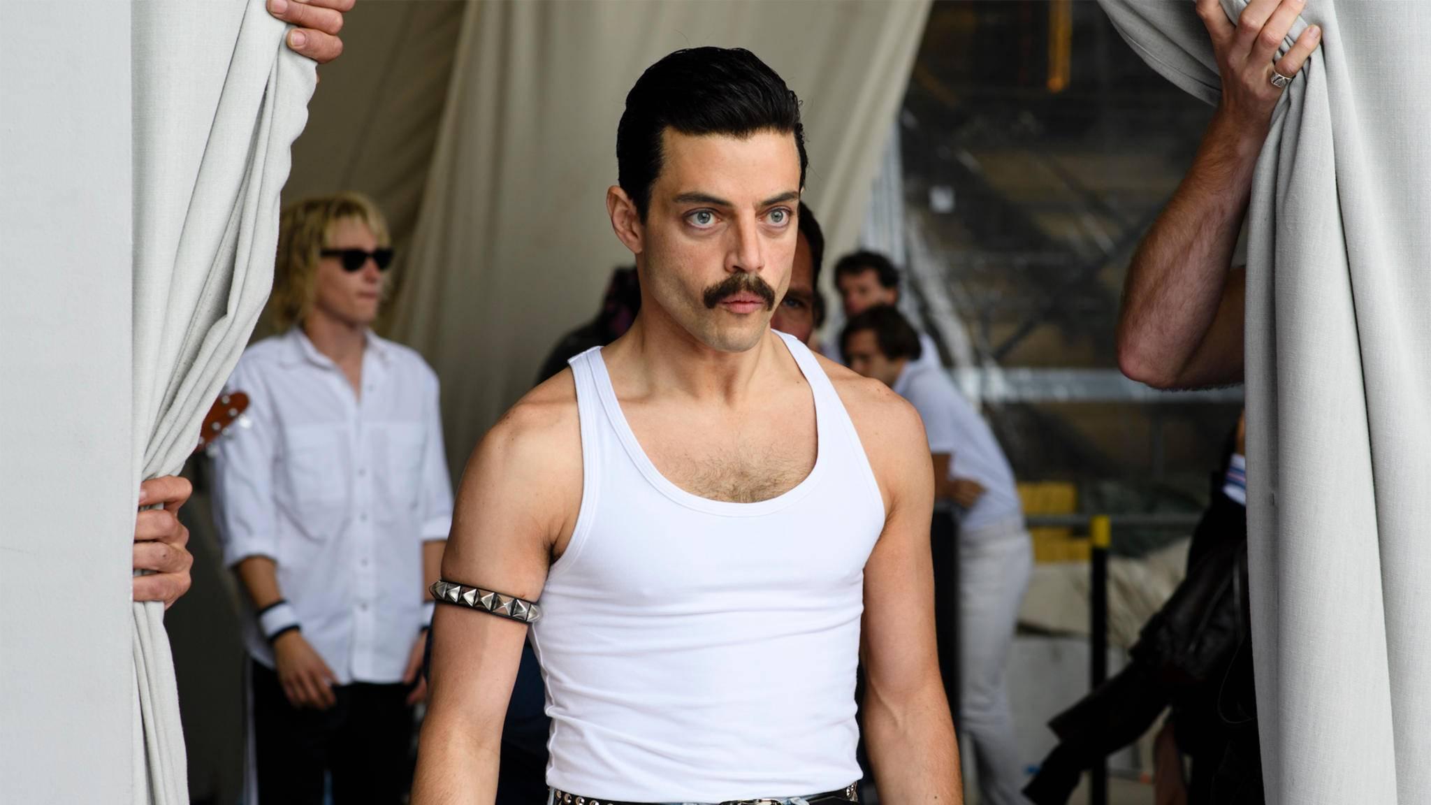 """Als Freddie Mercury in """"Bohemian Rhapsody"""" räumte Rami Malek einen Preis nach dem anderen ab."""
