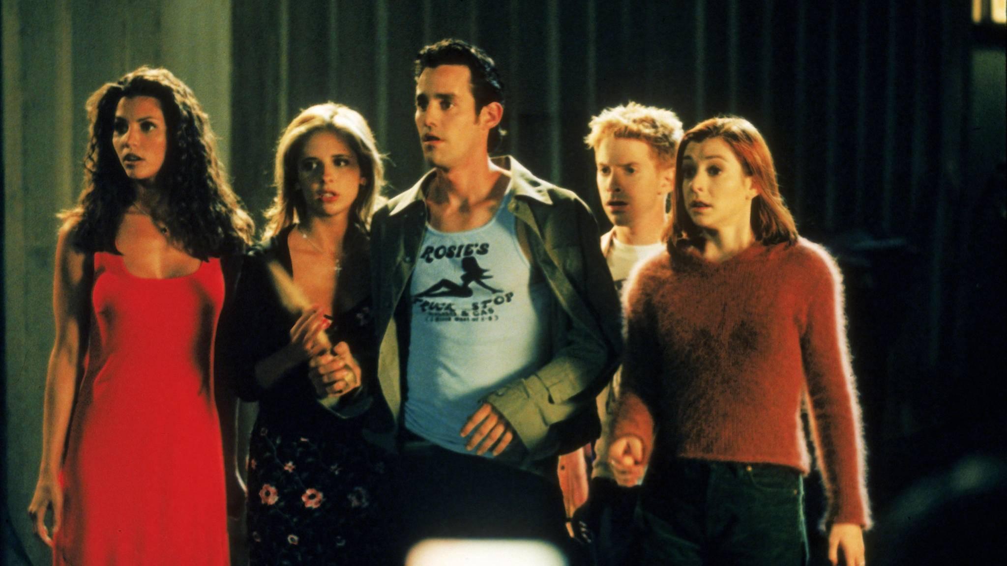 """Die Nachfolger sind schon in Sicht: Der """"Buffy""""-Cast rund um Sarah Michelle Gellar wird generalüberholt."""