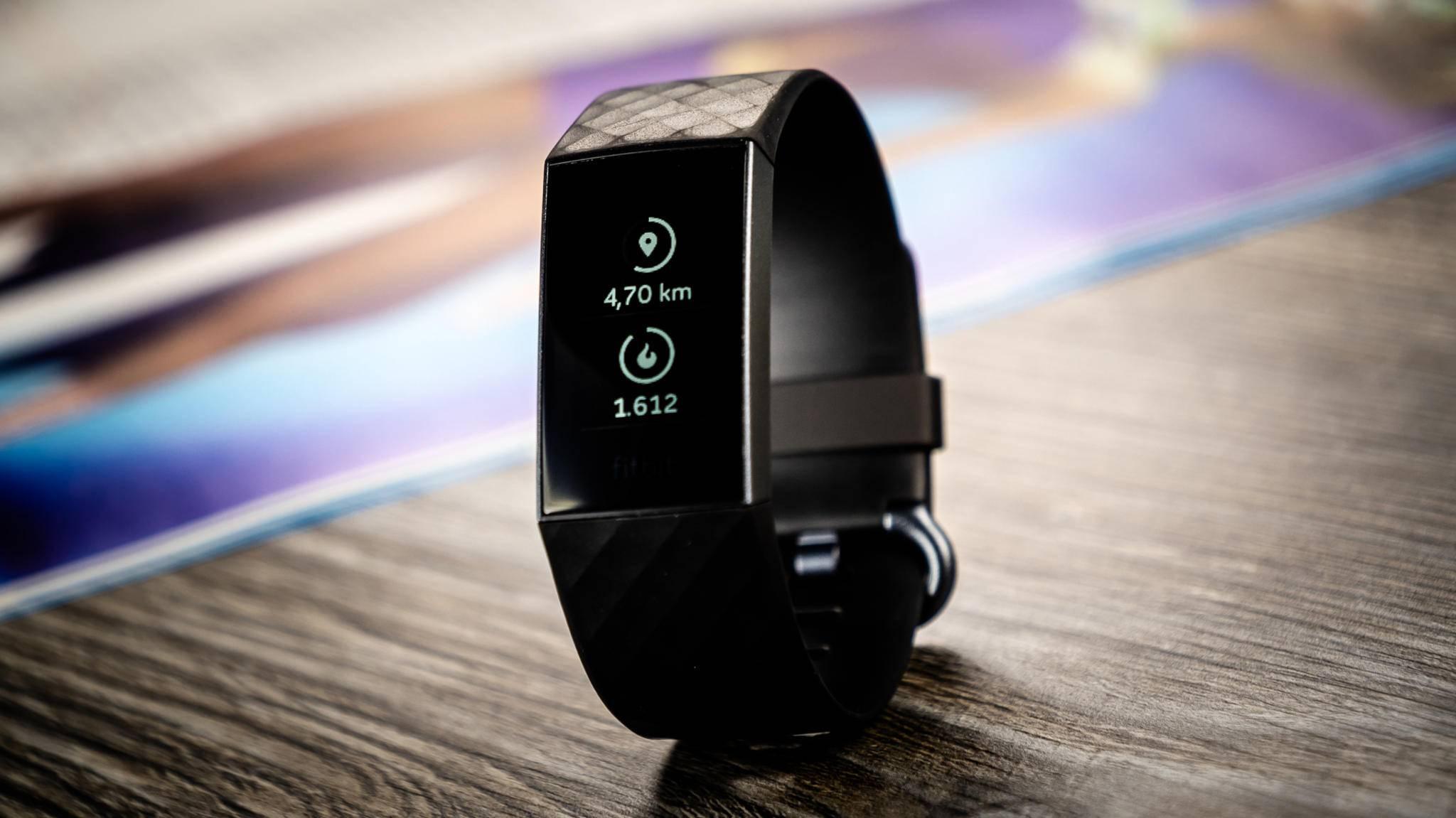 Macht die Fitbit Charge 3 nicht, was sie soll? Keine Panik: Die häufigsten Fehler lassen sich schnell beheben.