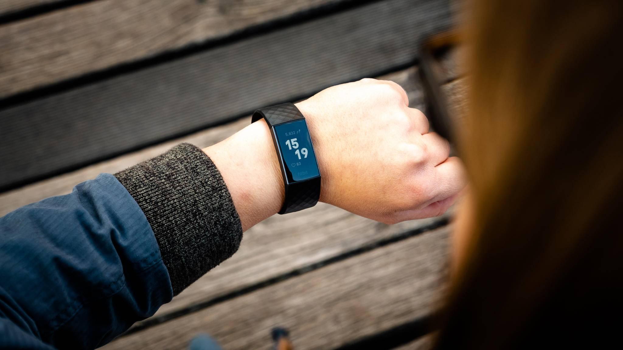 Optisch sollen sich der neue Fitbit Charge 4 nicht von seinem Vorgänger Charge 3 (Foto) unterscheiden.