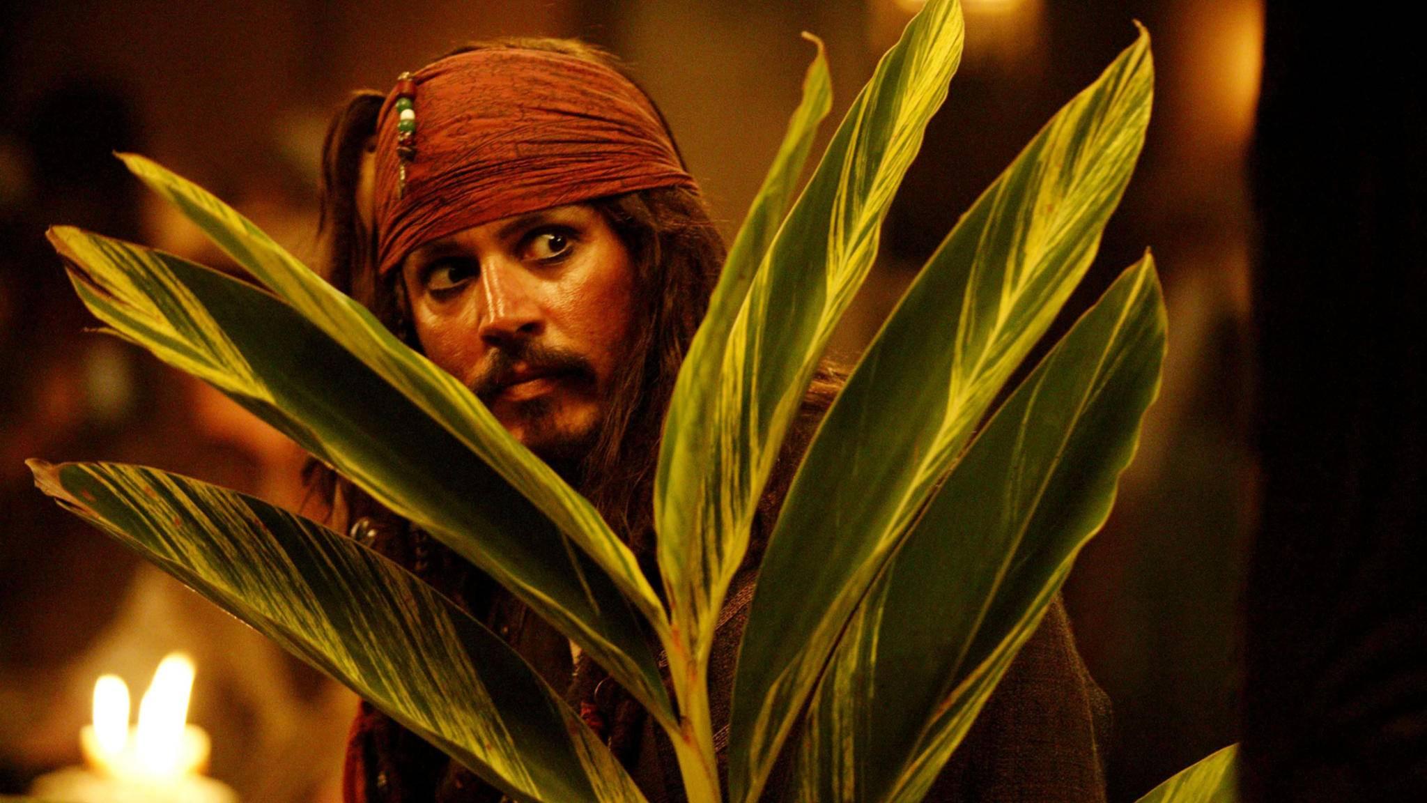 Erstmal bedeckt halten: Ob Captain Jack Sparrow im Reboot erhalten bleibt, ist noch ungewiss.