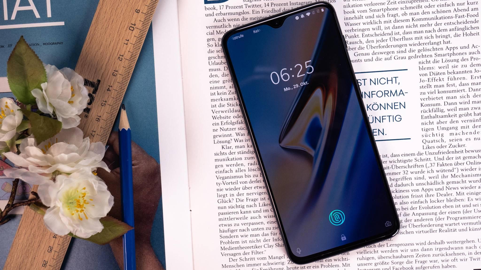 Ein neues OnePlus-Smartphone (hier das OnePlus 6T) soll den Snapdragon 855 auf dem Markt einführen.